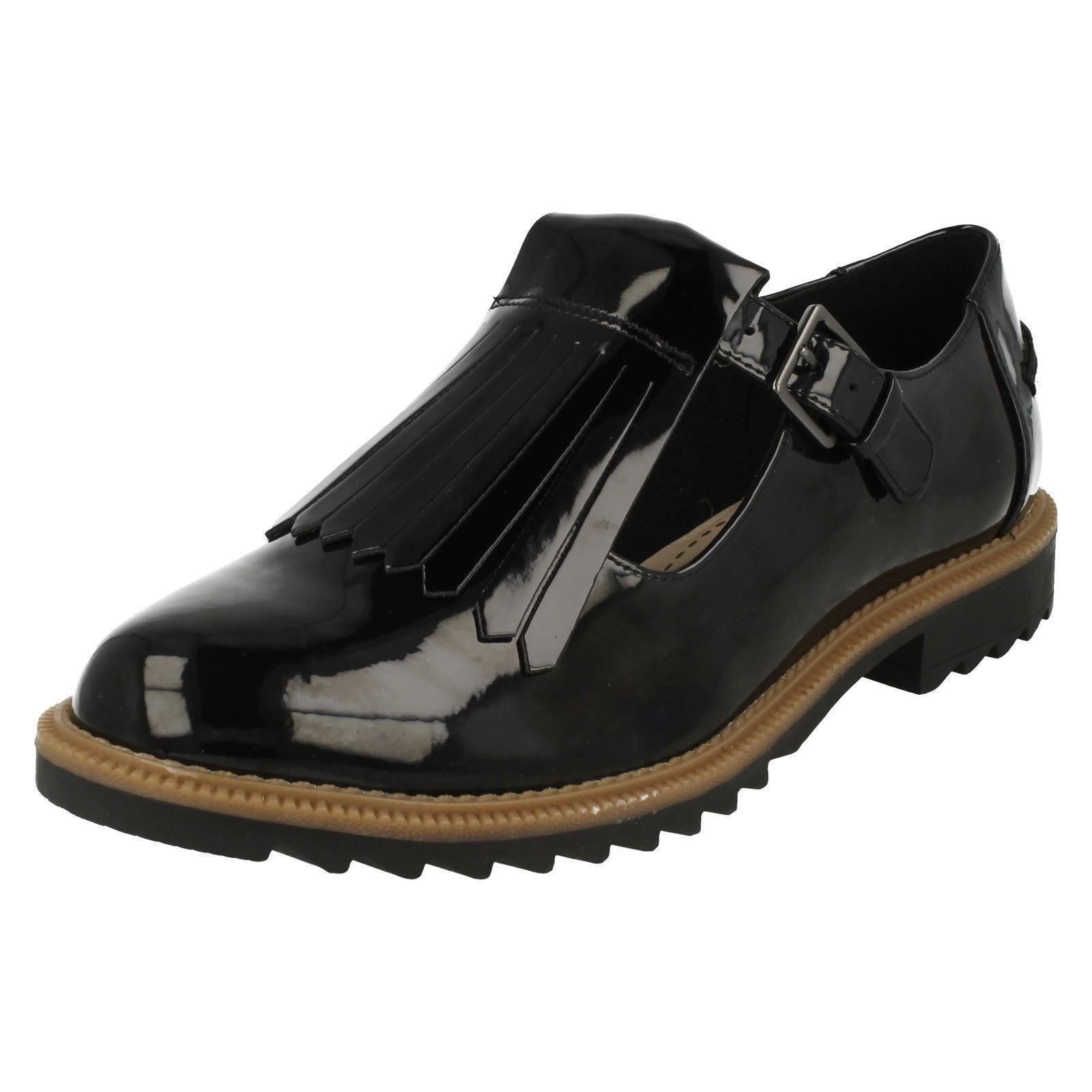 Ladies Griffin Mia4 Leather Shoes by Clarks retail £49.99