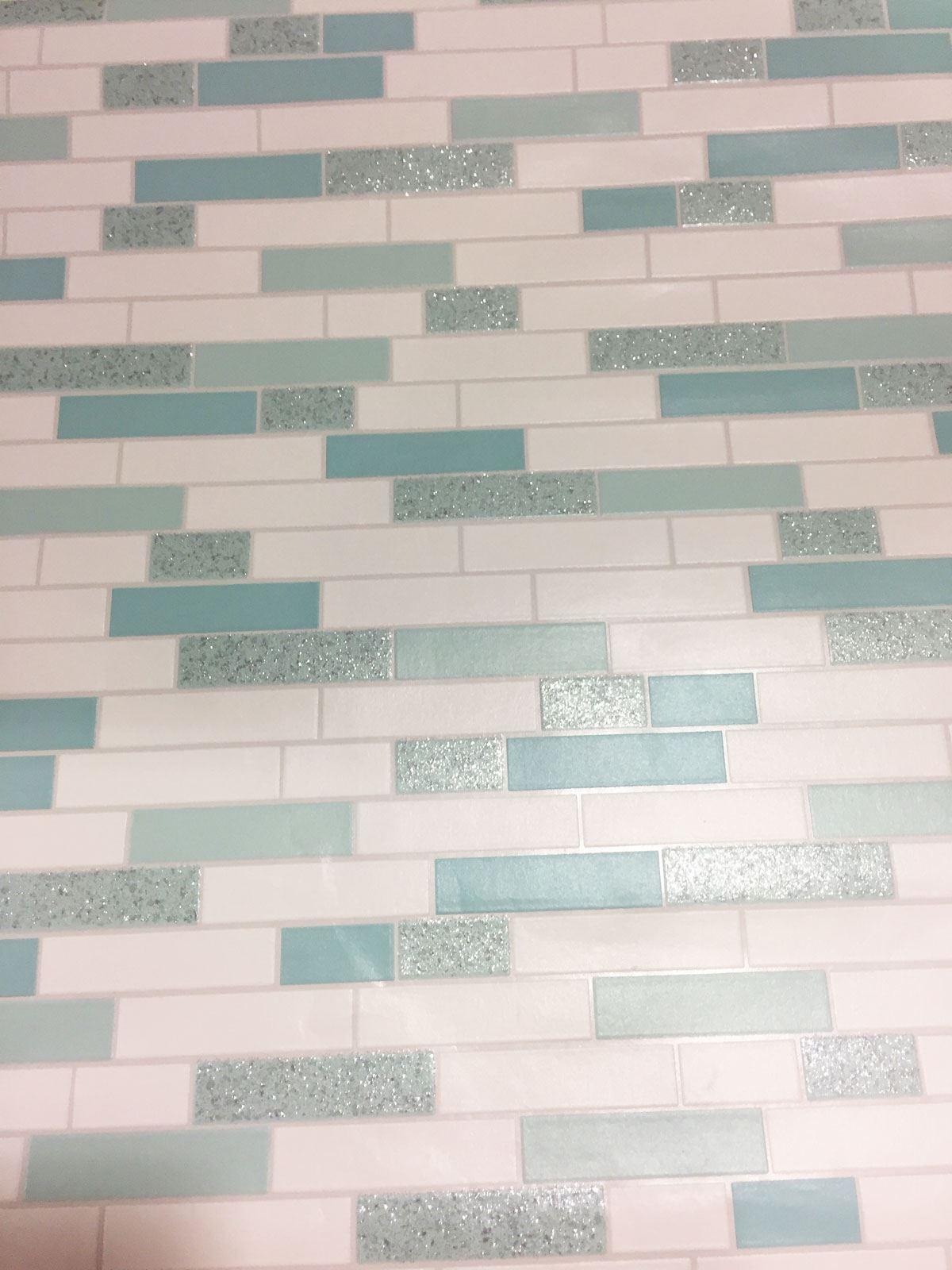 Oblong-Stone-Tile-Kitchen-Bathroom-Wallpaper-Vinyl-Silver-Glitter-Holden-Decor thumbnail 16