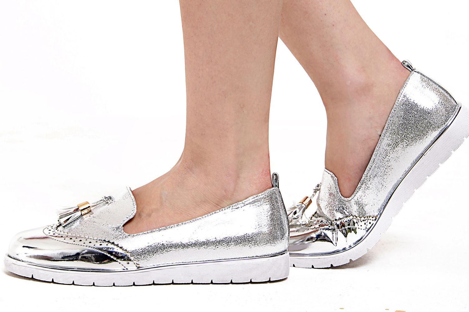 New Womens Low Wedge Heel Slip On Shimmer Tassled Metallic Hue Brogue Loafers