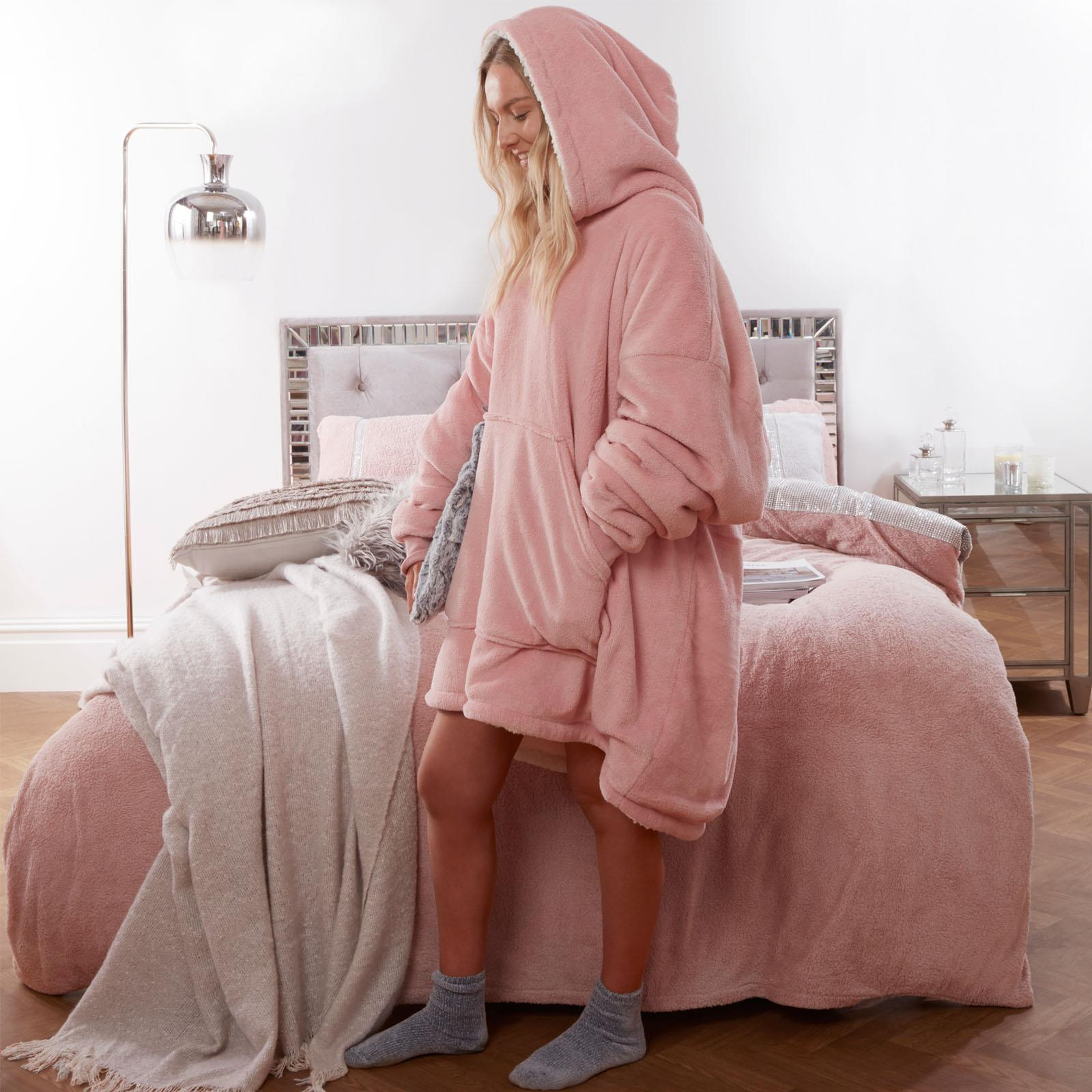 Sienna-Hoodie-Blanket-Oversized-Ultra-Plush-Sherpa-Giant-Big-Hooded-Sweatshirt thumbnail 6