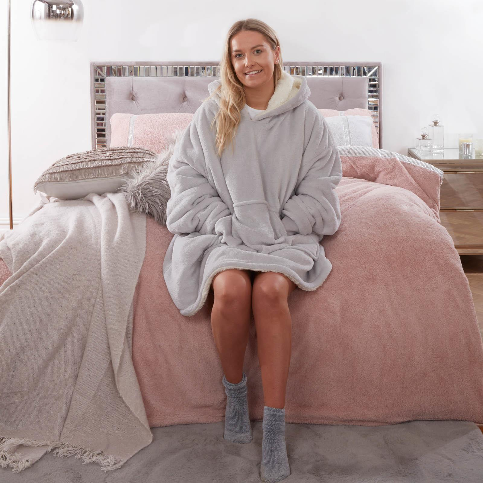 Sienna-Hoodie-Blanket-Oversized-Ultra-Plush-Sherpa-Giant-Big-Hooded-Sweatshirt thumbnail 22