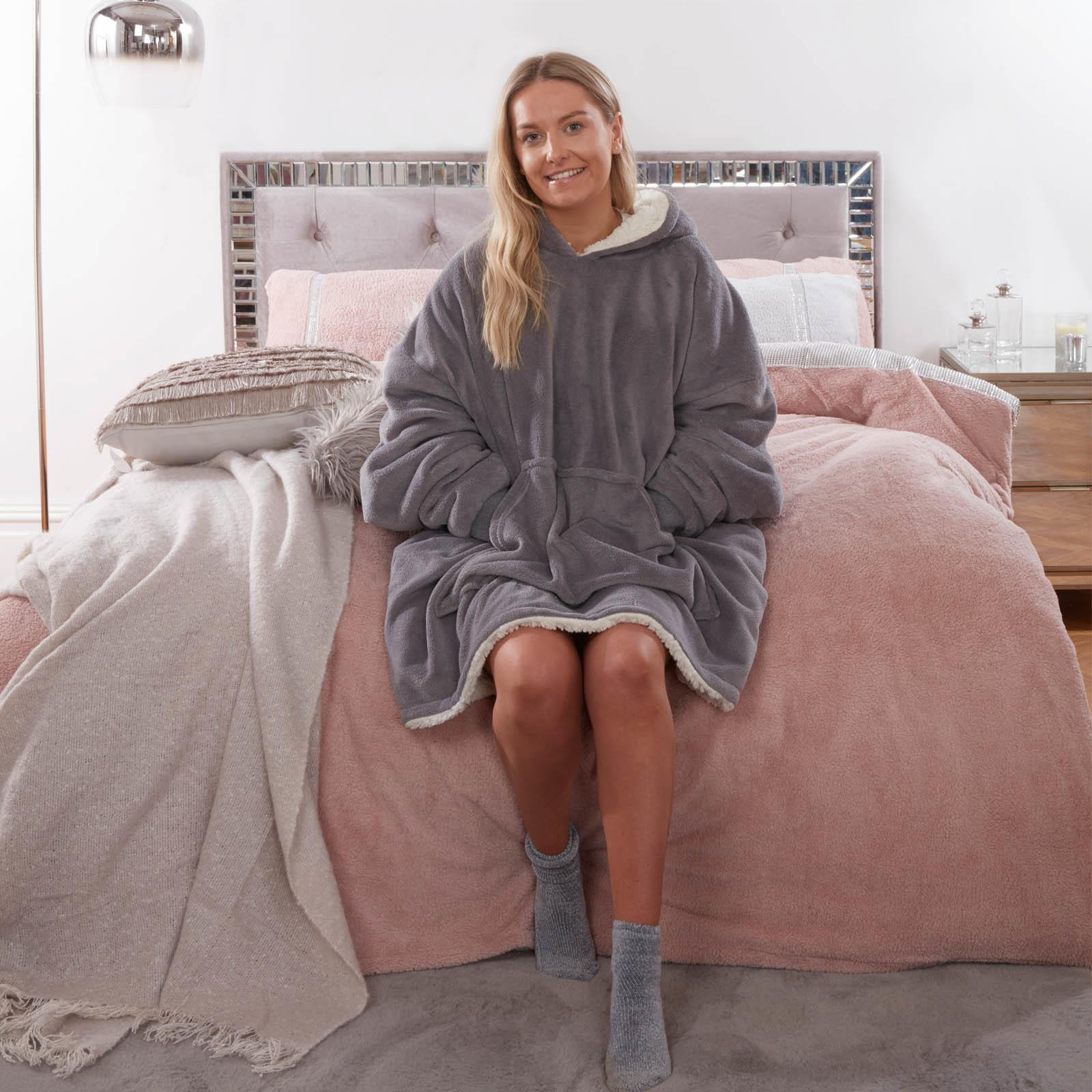Sienna-Hoodie-Blanket-Oversized-Ultra-Plush-Sherpa-Giant-Big-Hooded-Sweatshirt thumbnail 15