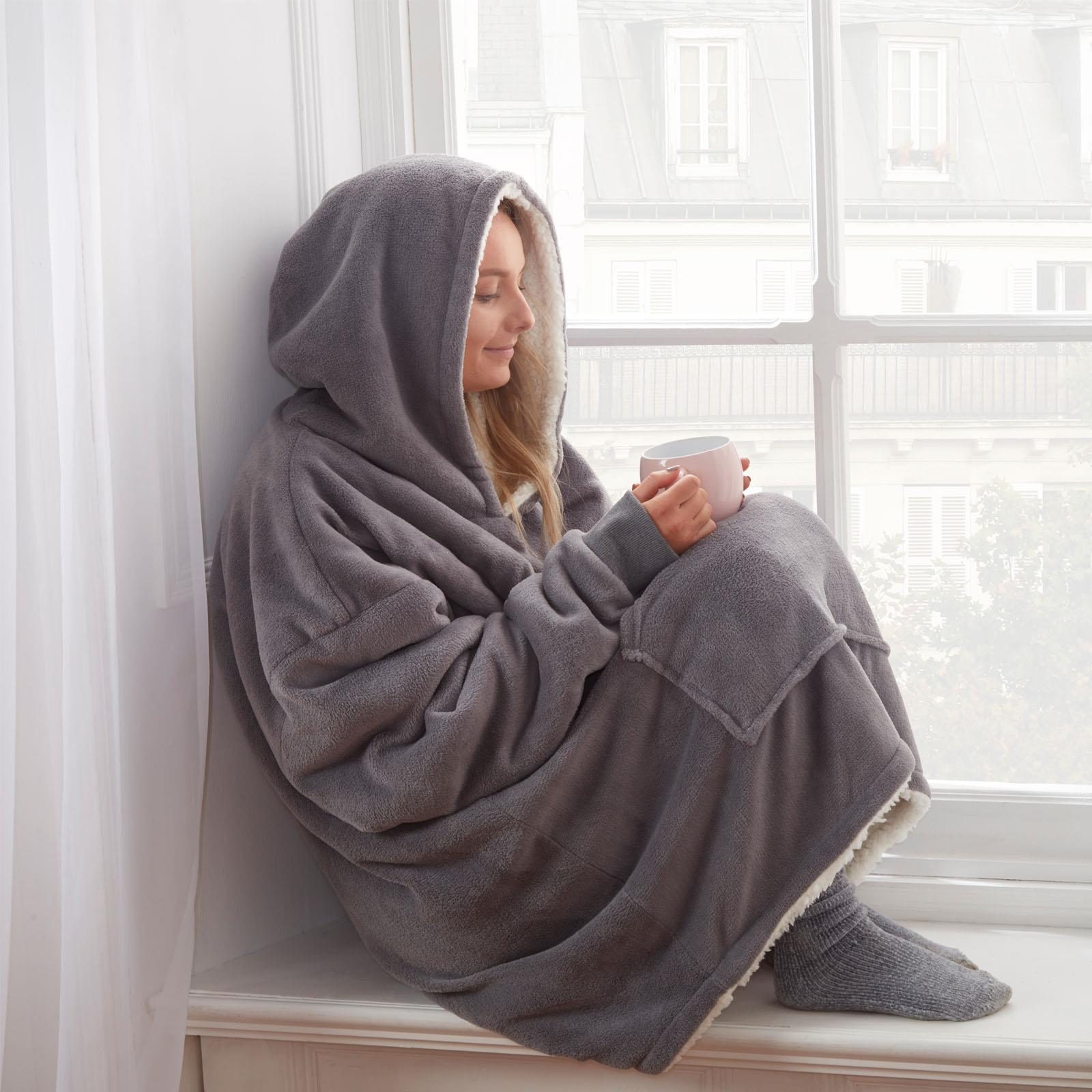 Sienna-Hoodie-Blanket-Oversized-Ultra-Plush-Sherpa-Giant-Big-Hooded-Sweatshirt thumbnail 14