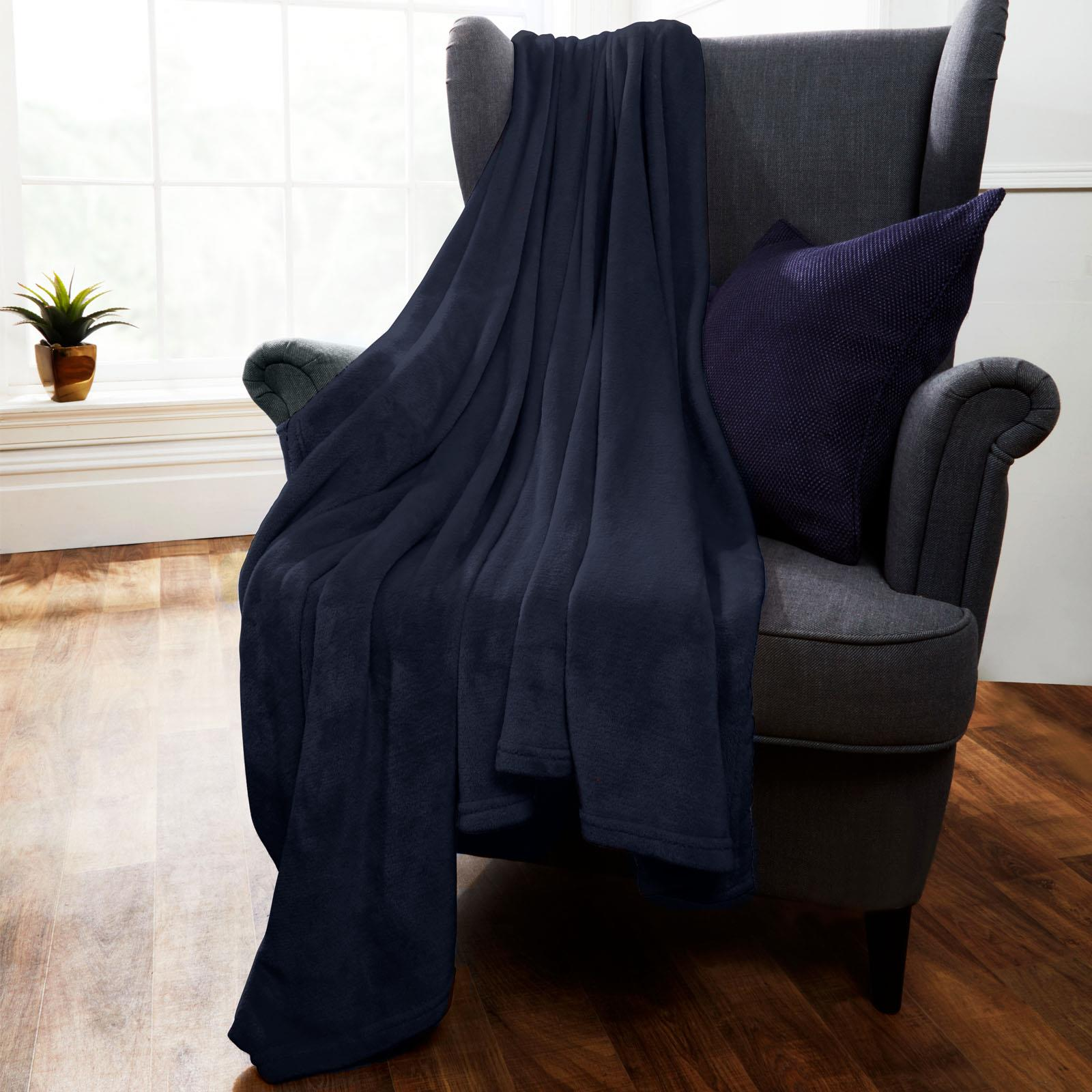Brentfords-Large-Flannel-Fleece-Bed-Blanket-Warm-Throw-Over-Ultra-Soft-Bed-Sofa thumbnail 15