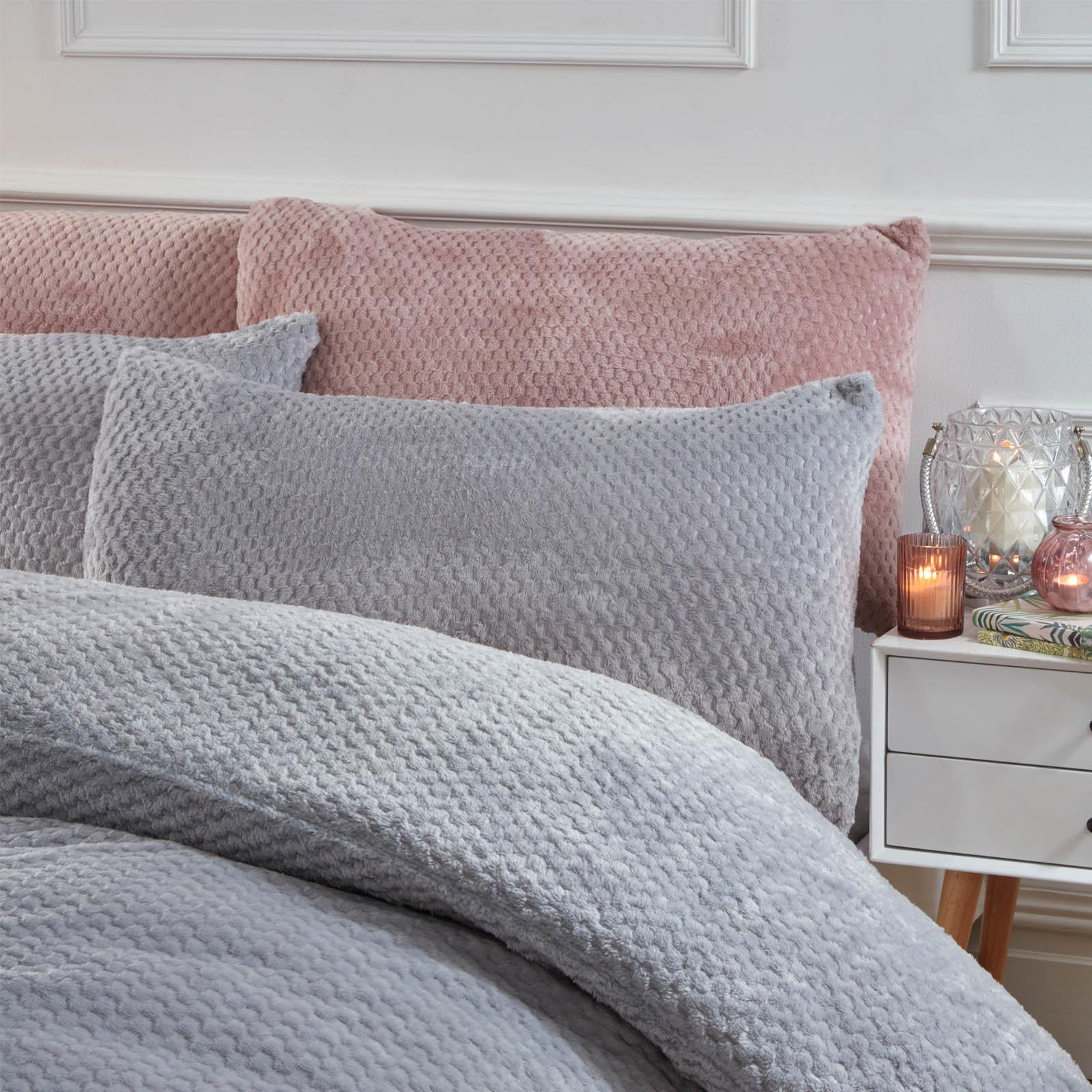 Brentfords-Warm-Waffle-Fleece-Duvet-Cover-with-Pillowcase-Soft-Cosy-Bedding-Set thumbnail 14
