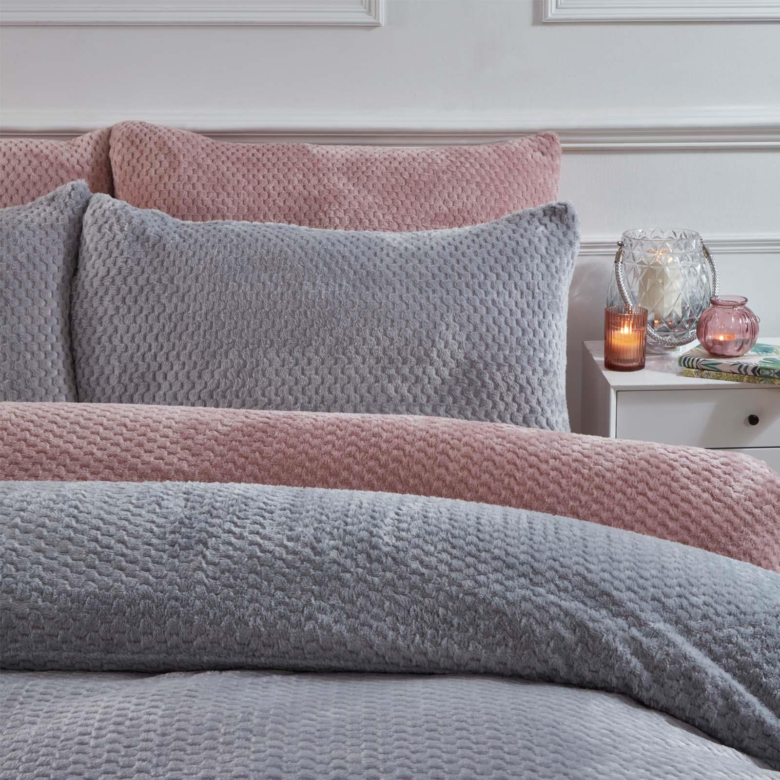 Brentfords-Warm-Waffle-Fleece-Duvet-Cover-with-Pillowcase-Soft-Cosy-Bedding-Set thumbnail 16