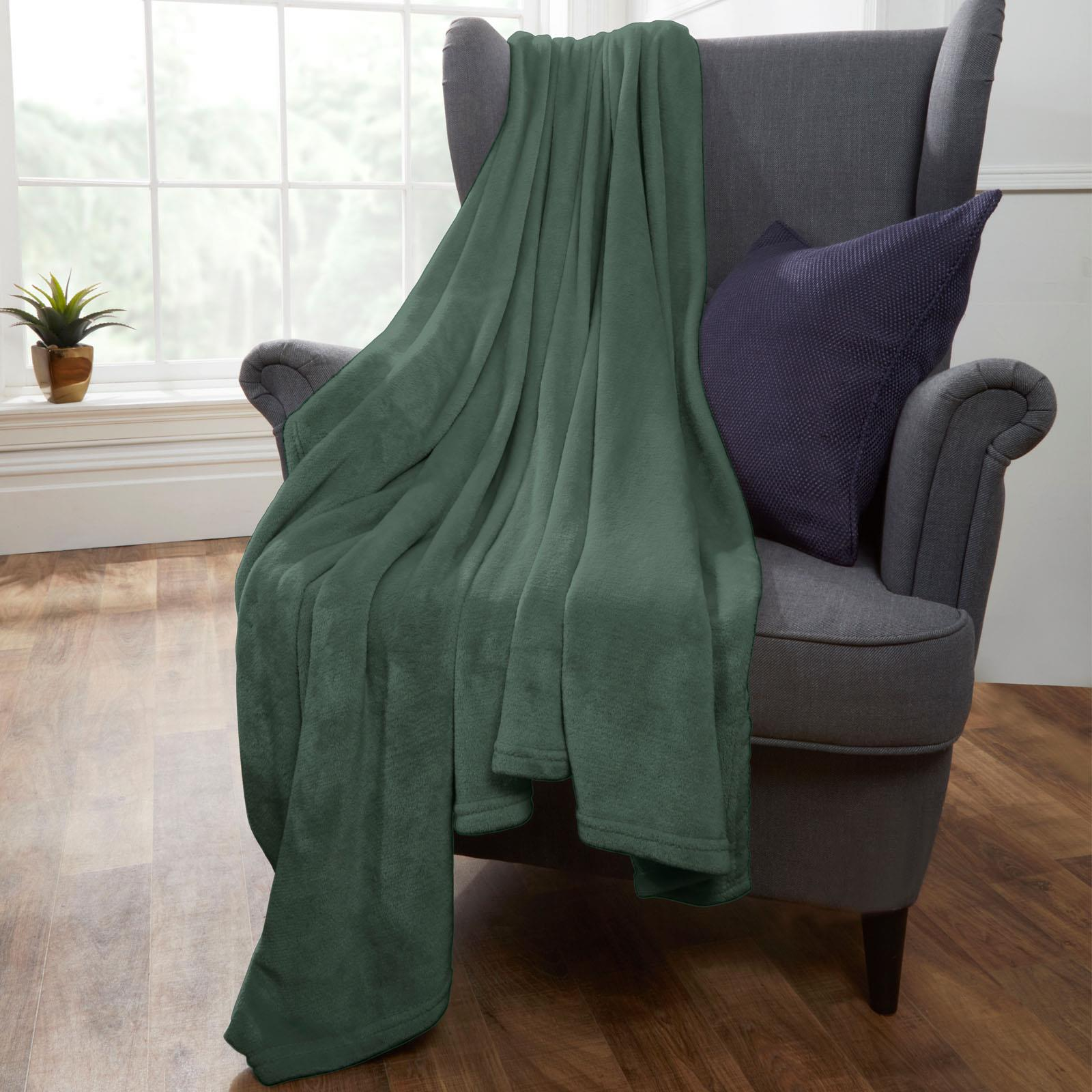 Brentfords-Large-Flannel-Fleece-Bed-Blanket-Warm-Throw-Over-Ultra-Soft-Bed-Sofa thumbnail 12