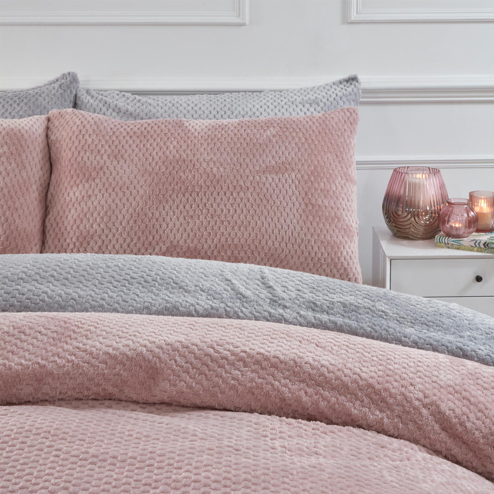Brentfords-Warm-Waffle-Fleece-Duvet-Cover-with-Pillowcase-Soft-Cosy-Bedding-Set thumbnail 8