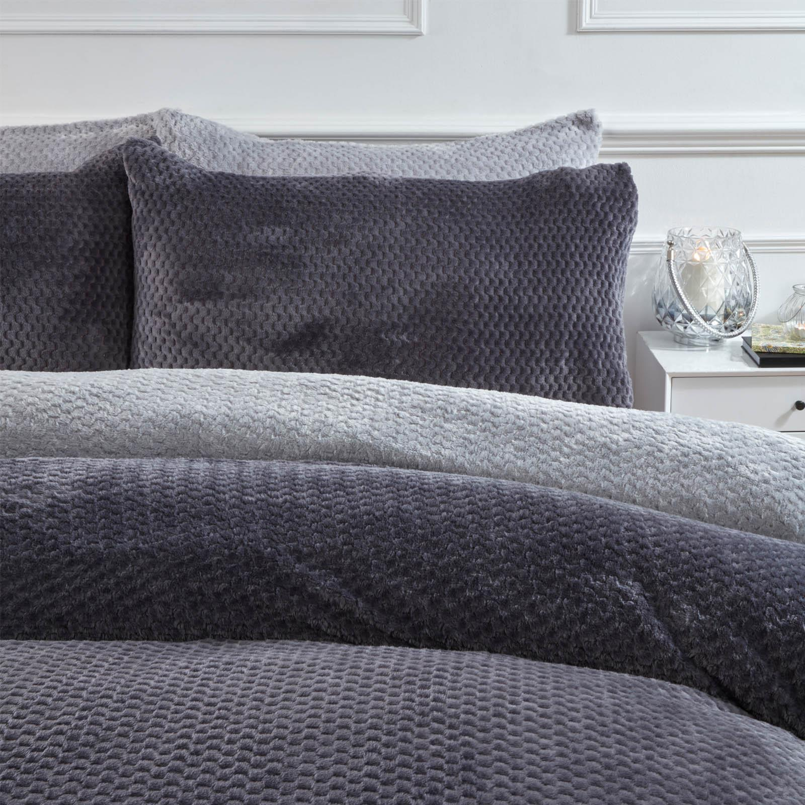 Brentfords-Warm-Waffle-Fleece-Duvet-Cover-with-Pillowcase-Soft-Cosy-Bedding-Set thumbnail 12