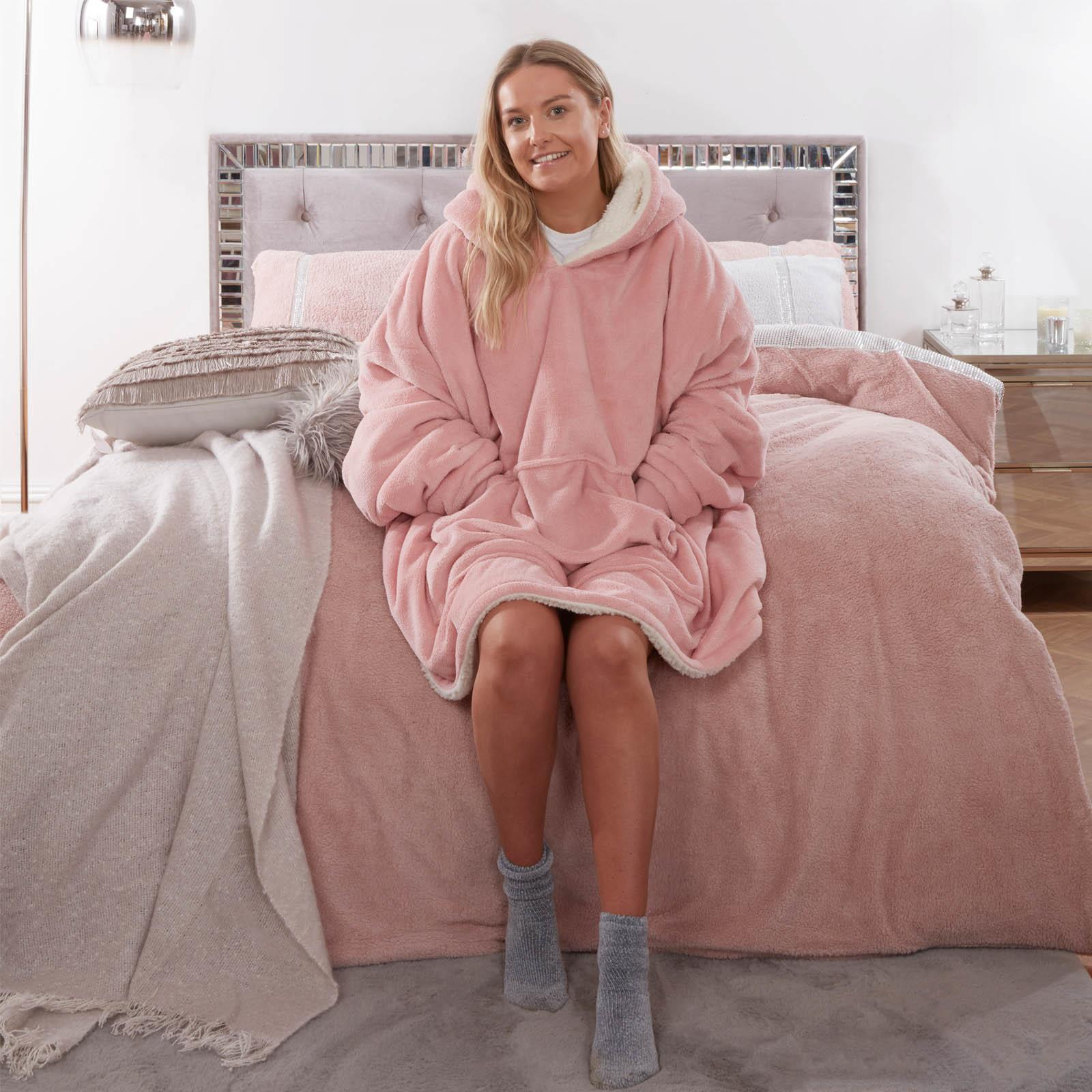 Sienna-Hoodie-Blanket-Oversized-Ultra-Plush-Sherpa-Giant-Big-Hooded-Sweatshirt thumbnail 8