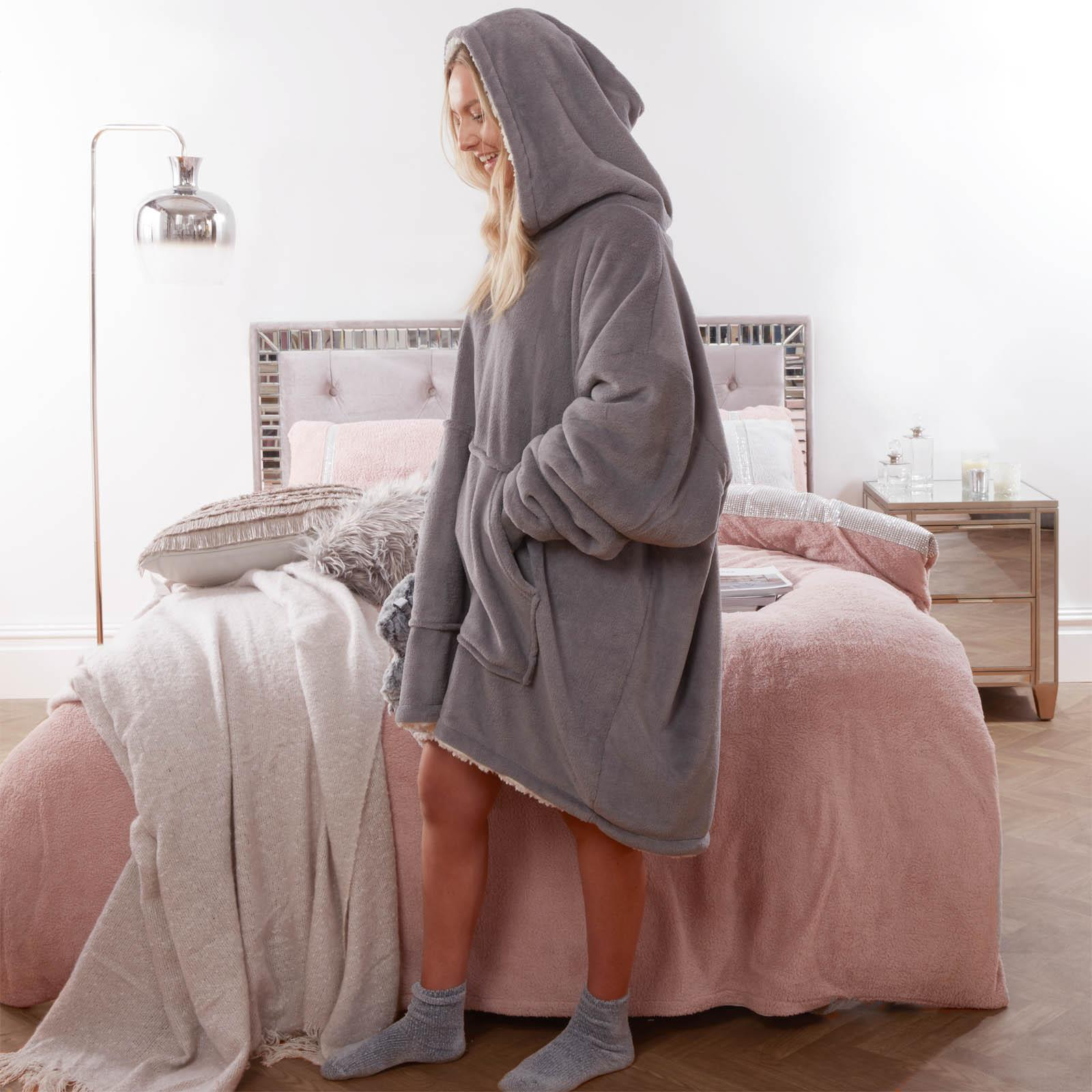 Sienna-Hoodie-Blanket-Oversized-Ultra-Plush-Sherpa-Giant-Big-Hooded-Sweatshirt thumbnail 13