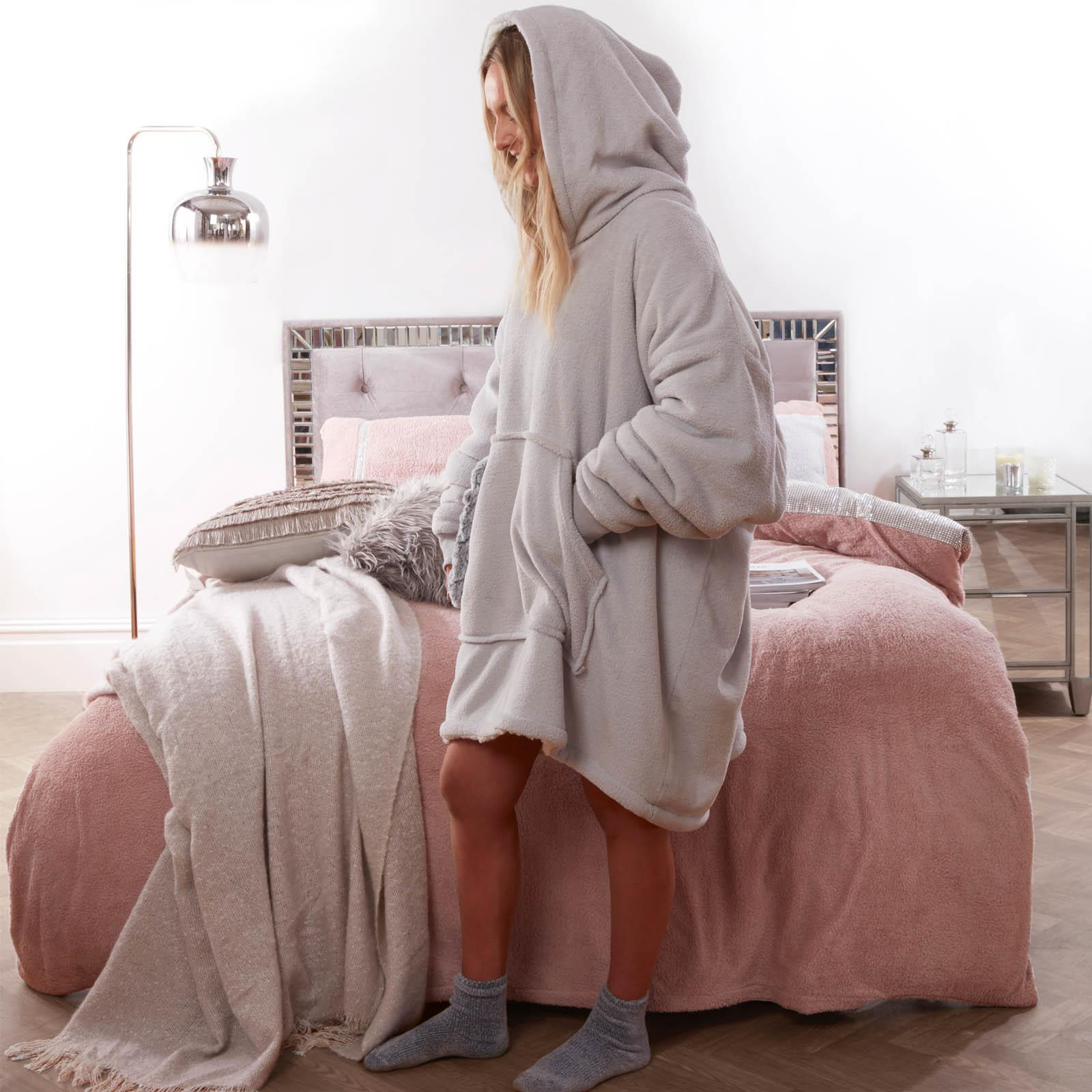 Sienna-Hoodie-Blanket-Oversized-Ultra-Plush-Sherpa-Giant-Big-Hooded-Sweatshirt thumbnail 20