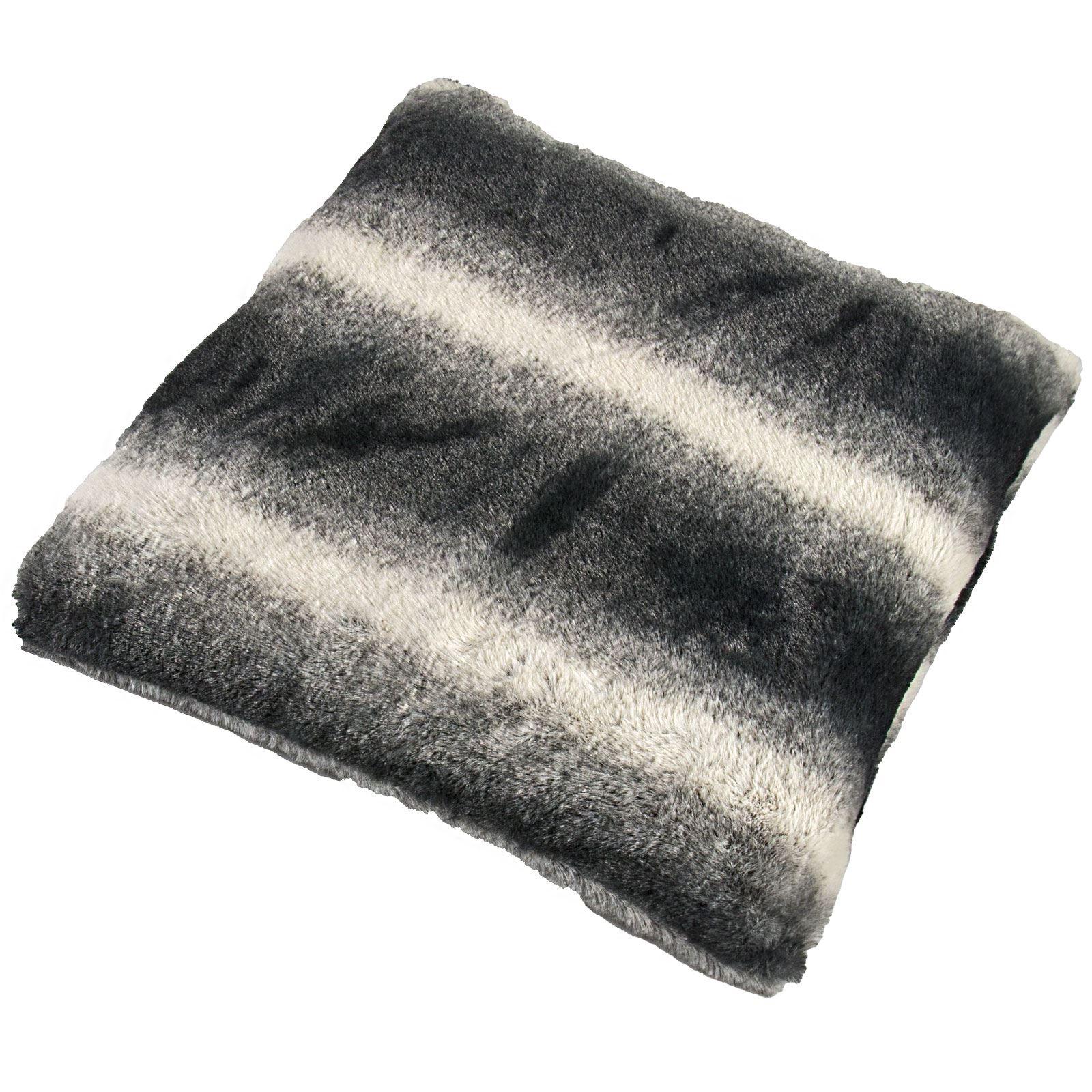 Faux fur rabbit cushion covers pillow case soft flannel for Fenetre 50x75
