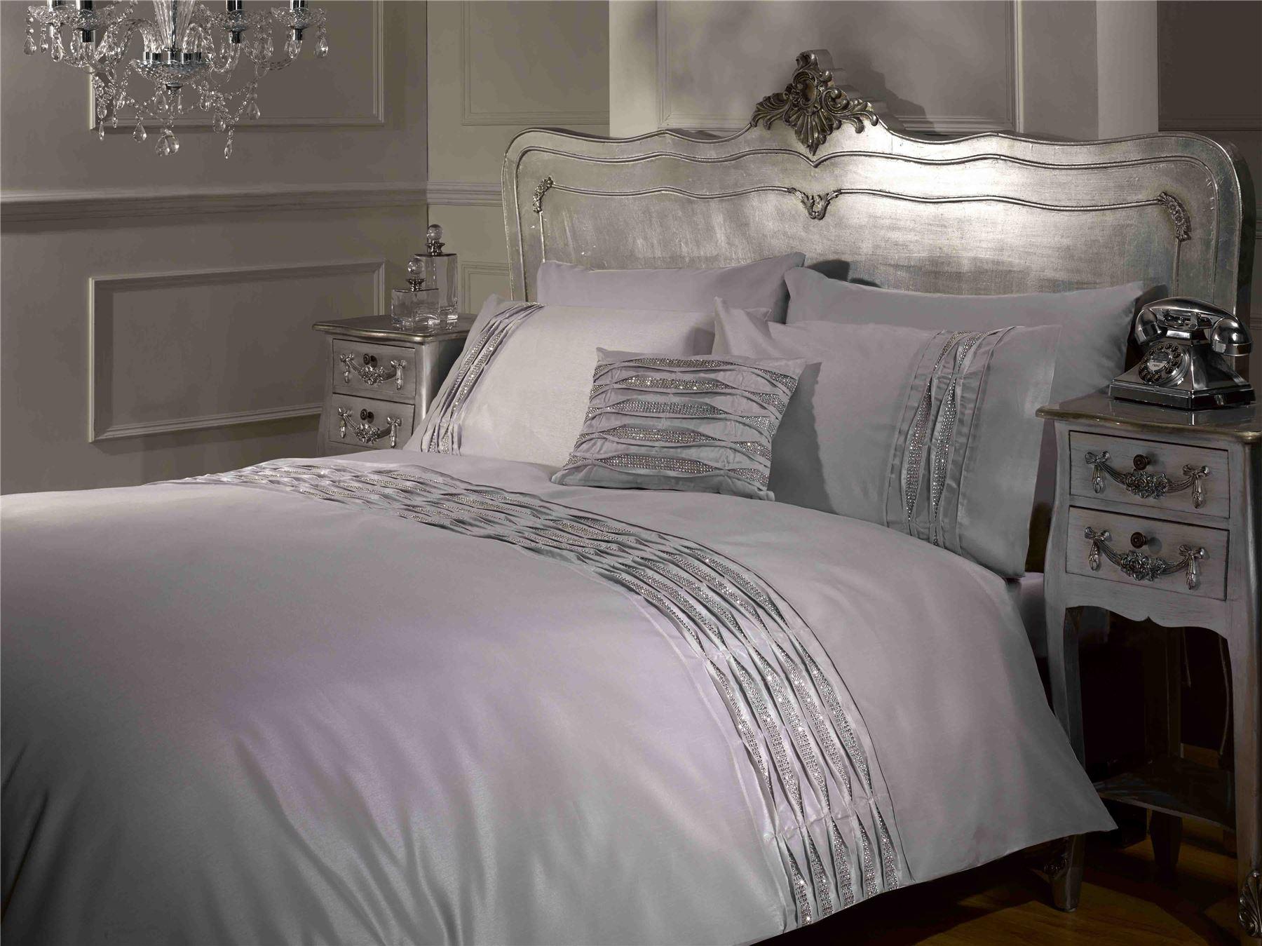 crystal diamante pintuck detail white black silver duvet. Black Bedroom Furniture Sets. Home Design Ideas