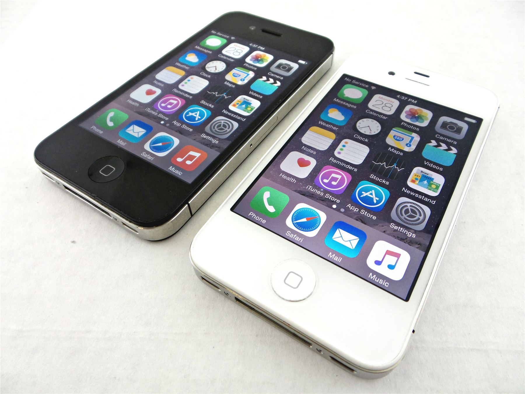 iphone 4s at t apple iphone 4s smartphone 8 16gb 32gb 64gb at amp t t mobile 3026