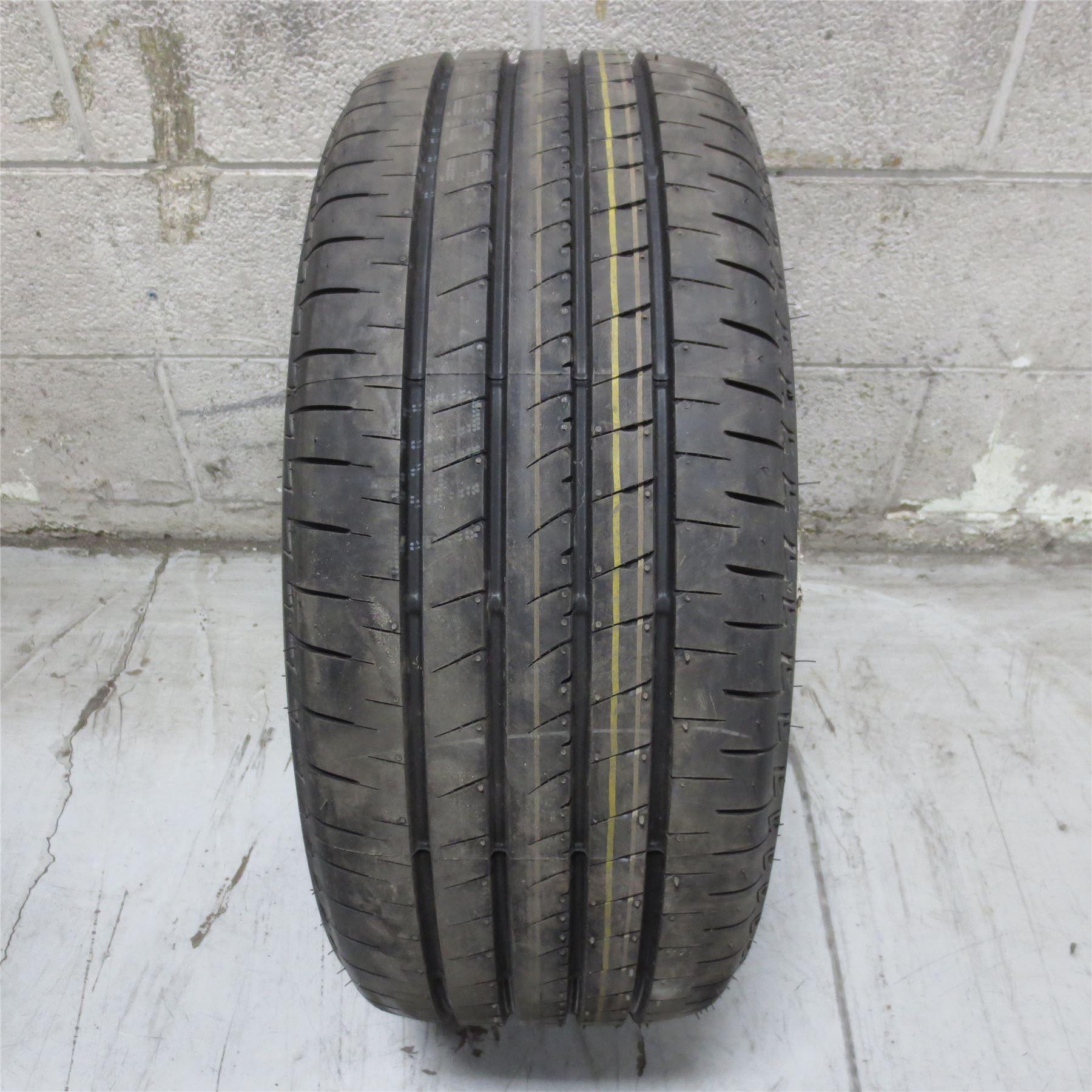 235//40R19 Bridgestone TURANZA EL440 92V Tire NO REPAIRS 10//32nd