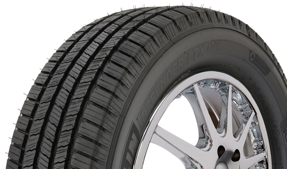 Season Radial Tire-255//65R18 111T Michelin Defender LTX M//S All