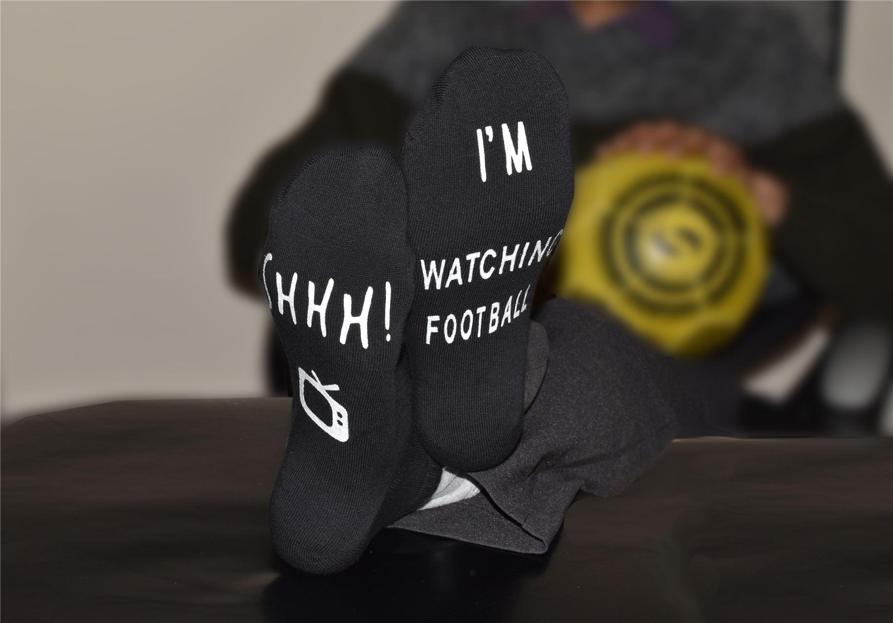 Vinsani /'Shhh I/'m Watching Football/' Ankle Socks White Gift For Football Fans