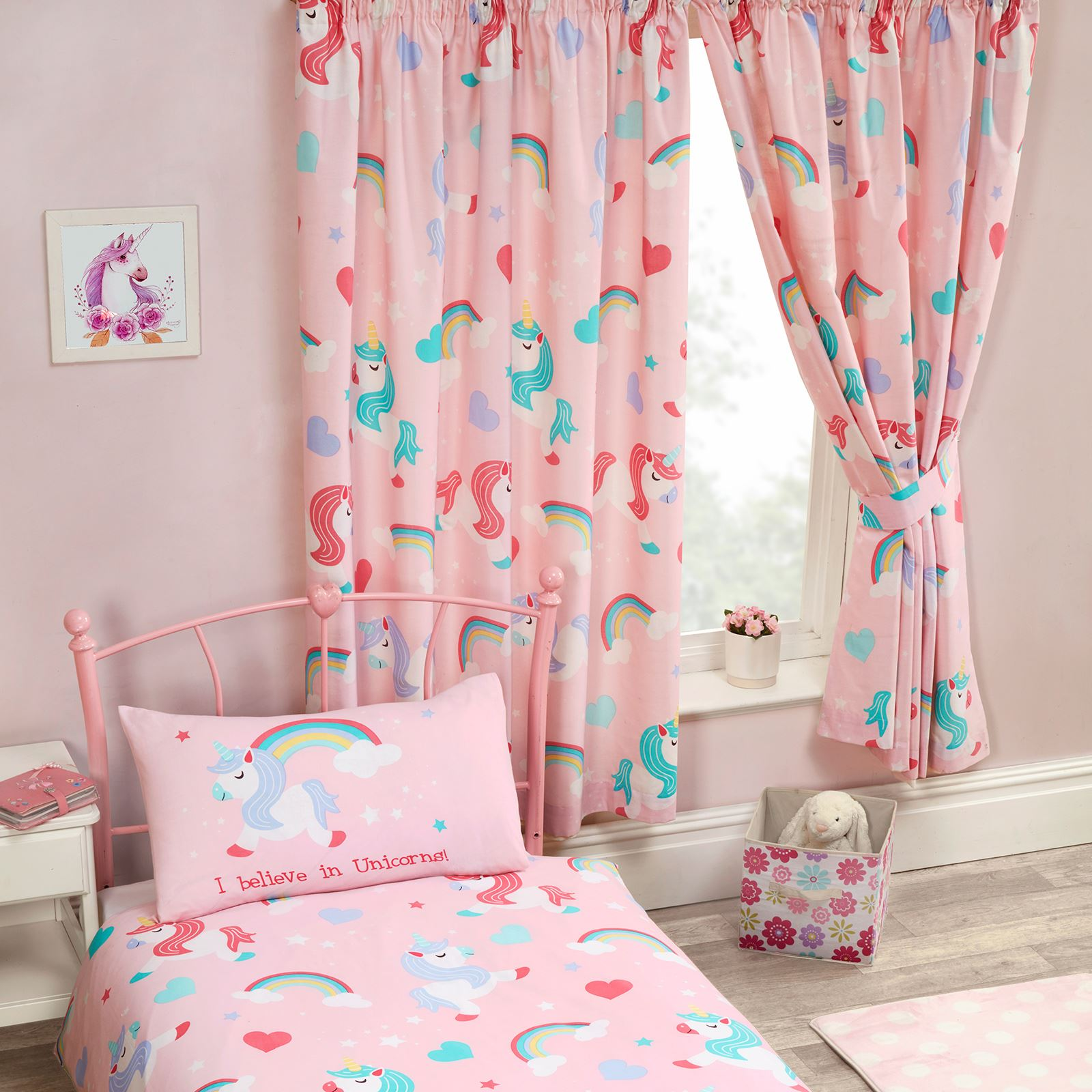 Girls bedroom curtains 66 x 72 unicorns ponies for Chambre unicorn