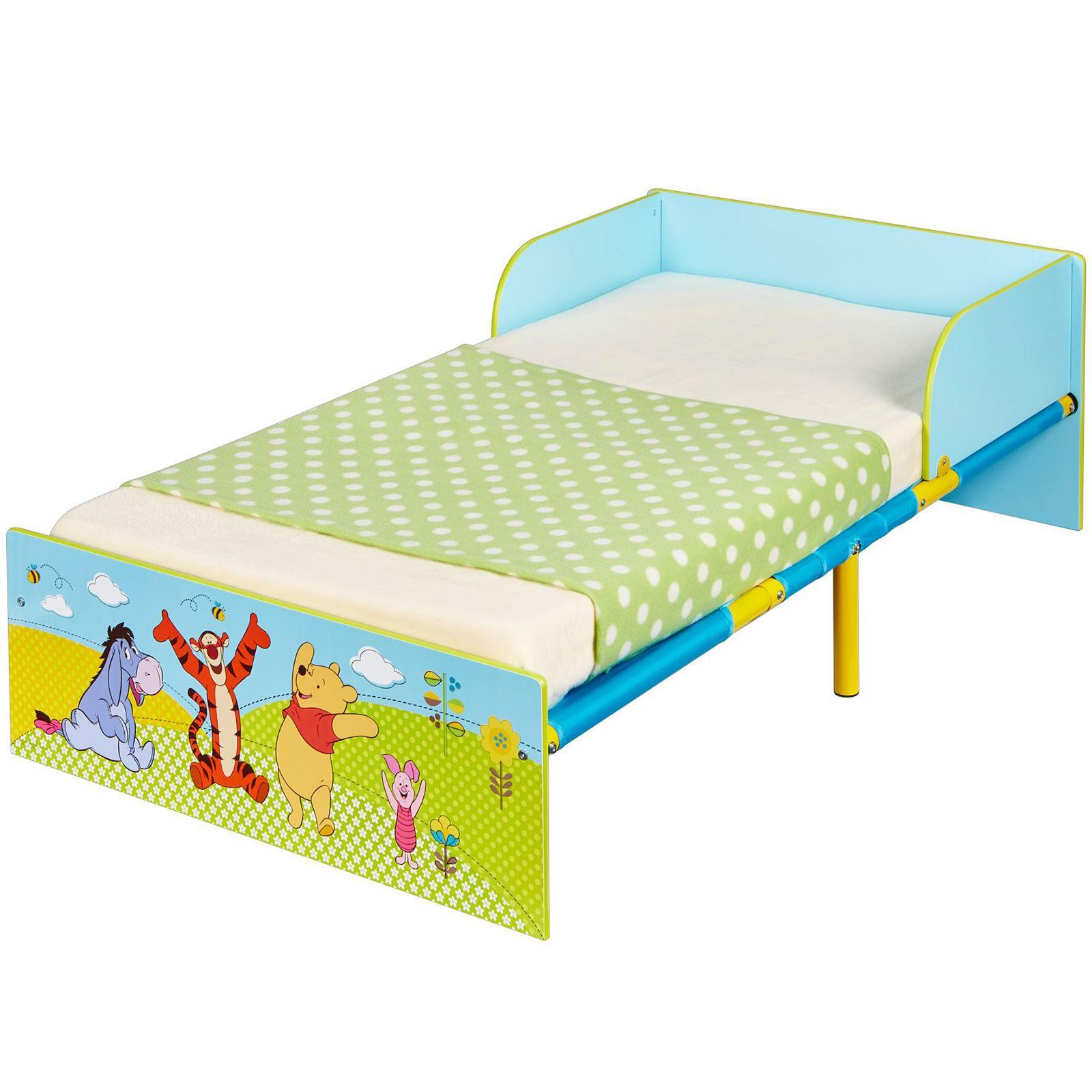 winnie the pooh kleinkind bett mit schutz seiten. Black Bedroom Furniture Sets. Home Design Ideas