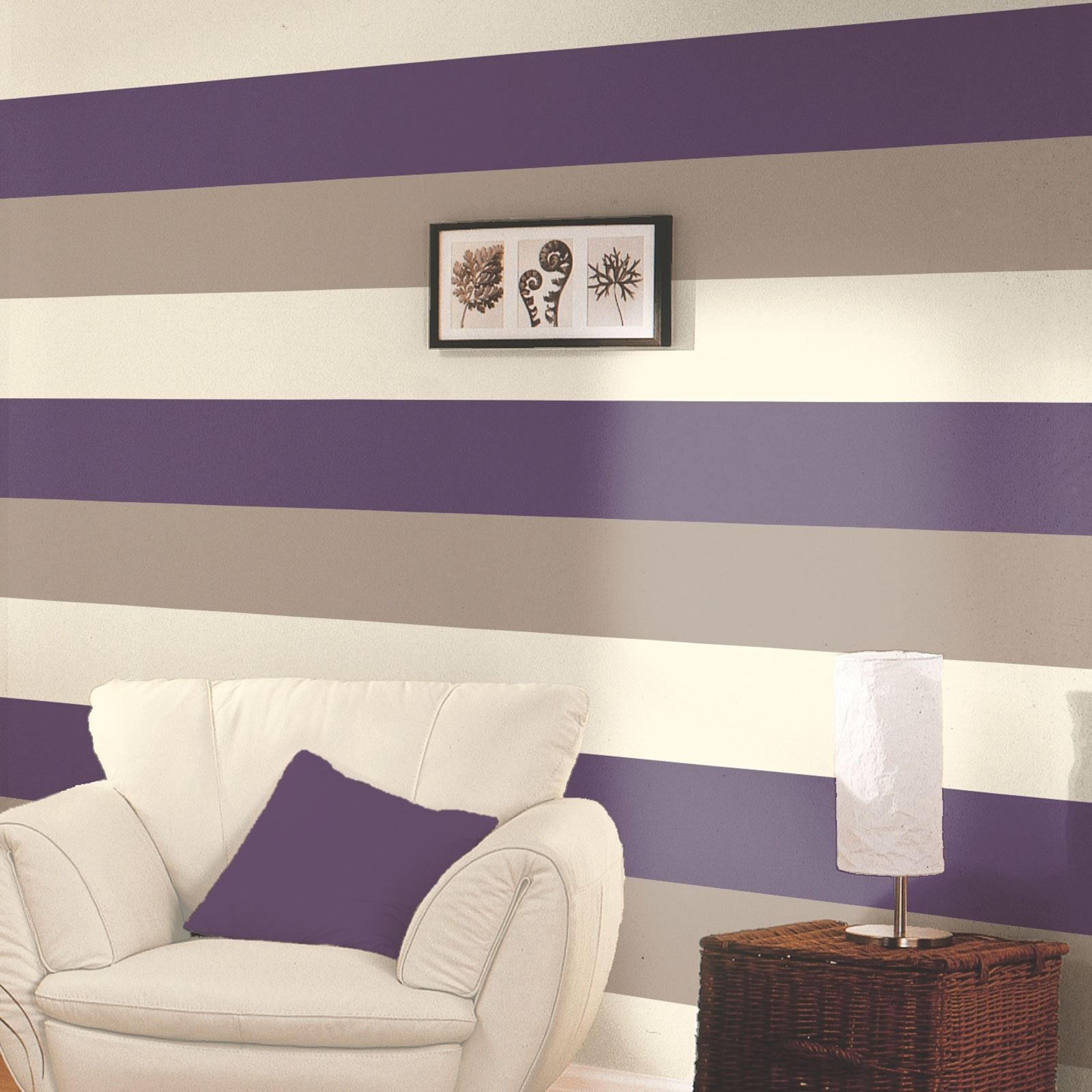 Wonderful purple wallpaper feature wall for Purple feature wallpaper living room