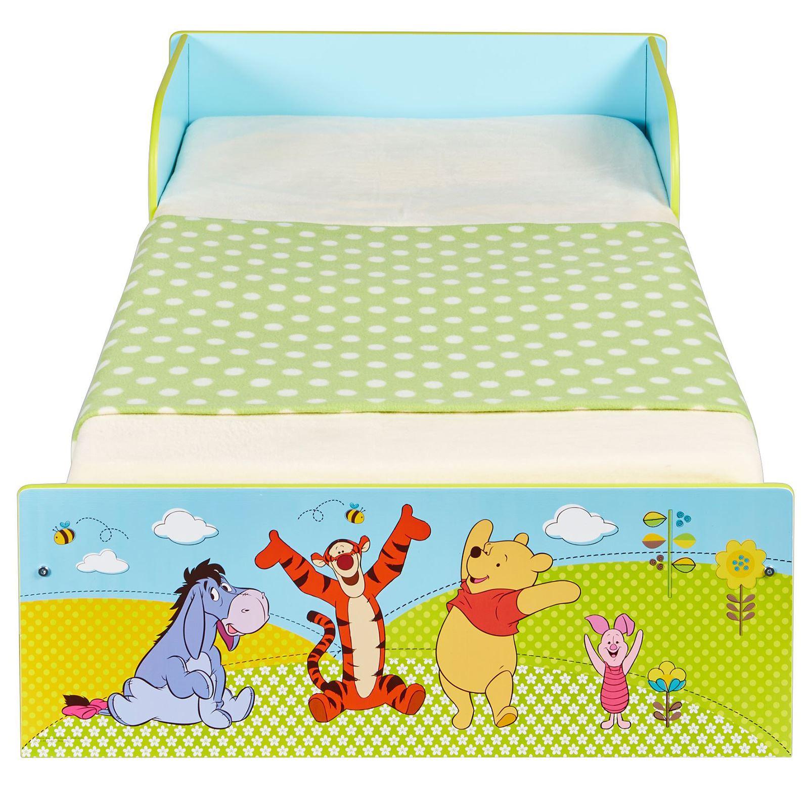 winnie the pooh kleinkind bett mit schutz seiten verkleidung offiziell neu ebay. Black Bedroom Furniture Sets. Home Design Ideas