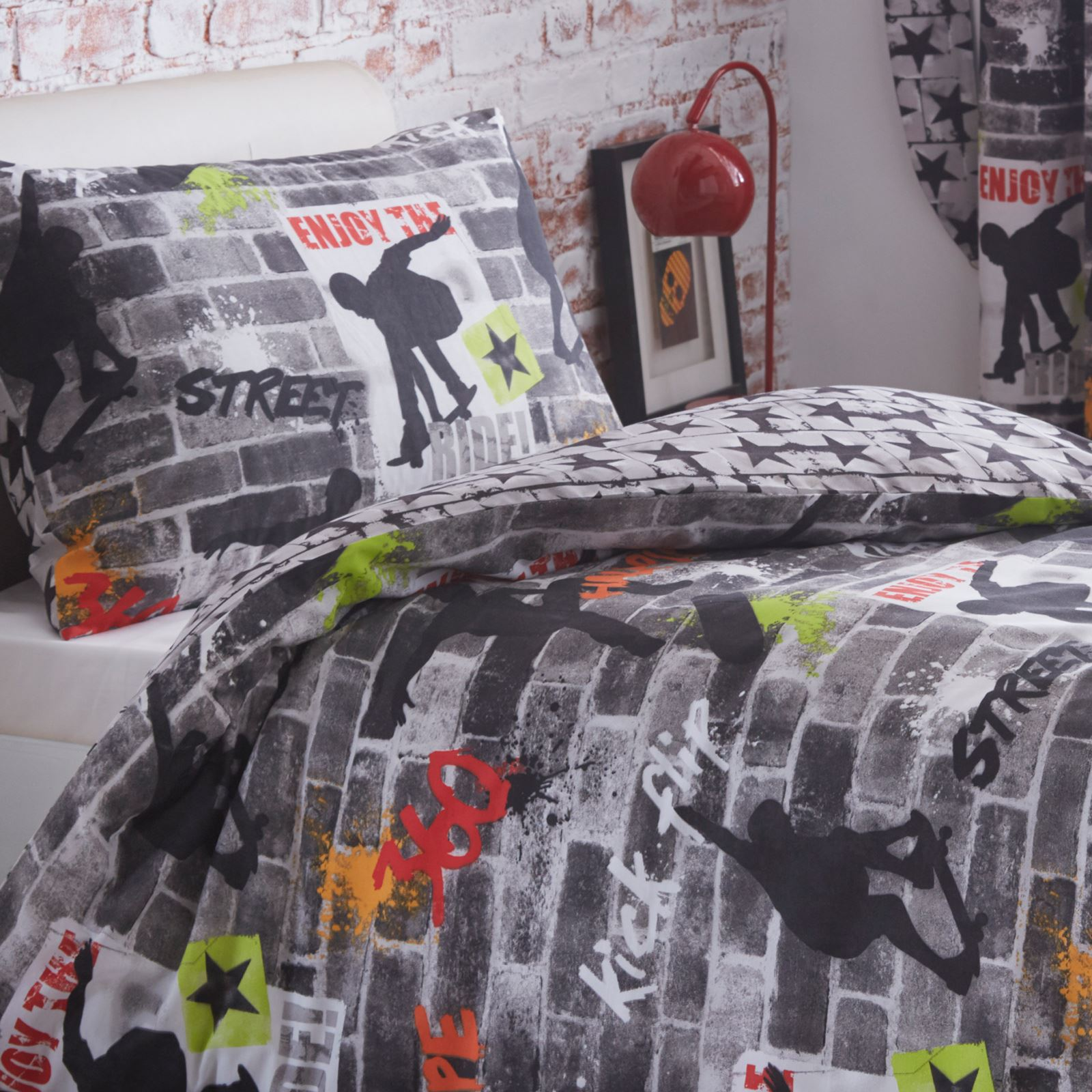 Boys single duvet cover set army dinosaurs diggers - Housse couette pirate ...