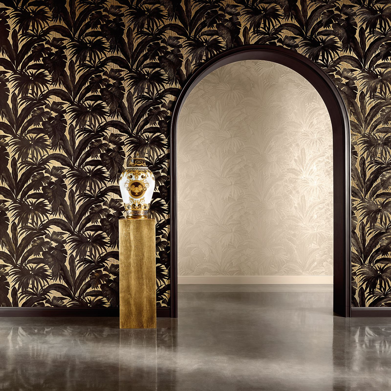 Versace Giungla Palm Leaves Luxury Metallic Wallpaper