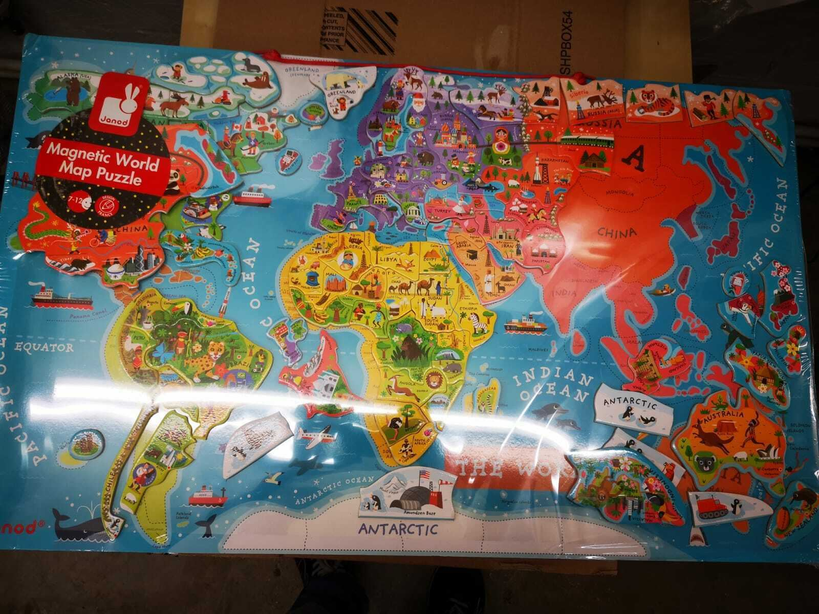 92 Pieces Janod J05504 Wooden Magnetic World Map Puzzle English Version