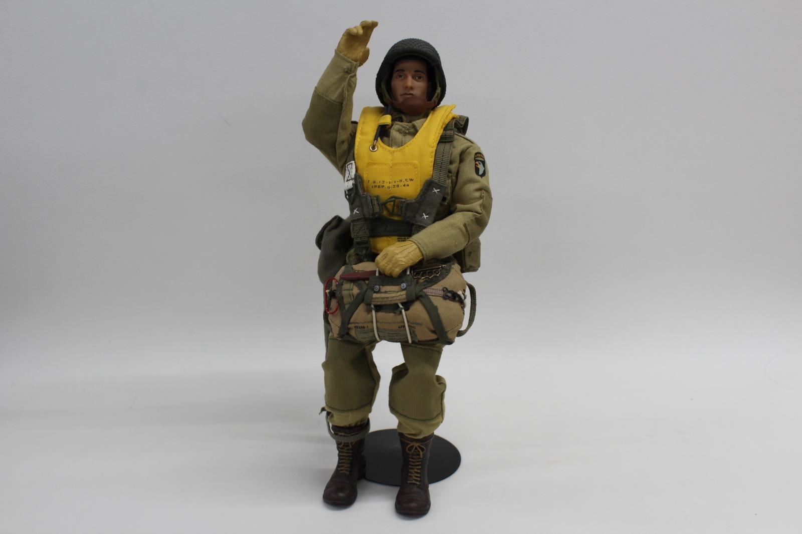 ULTIMATE SOLDIER Dragon 1 6 WW2 101st Airborne D-Day Paratrooper Deluxe Figure