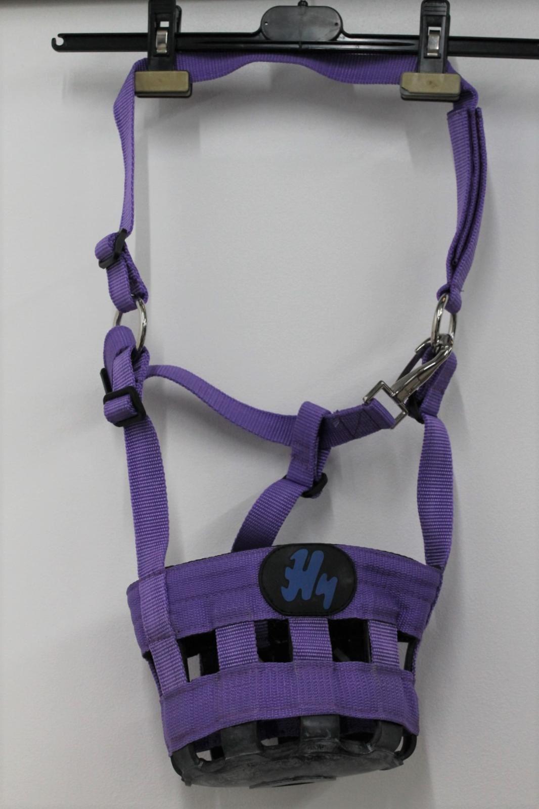 Nouveau-HY-Violet-Poney-Taille-Nylon-cheval-paturage-museau-Bandeau-Masque-code-0643