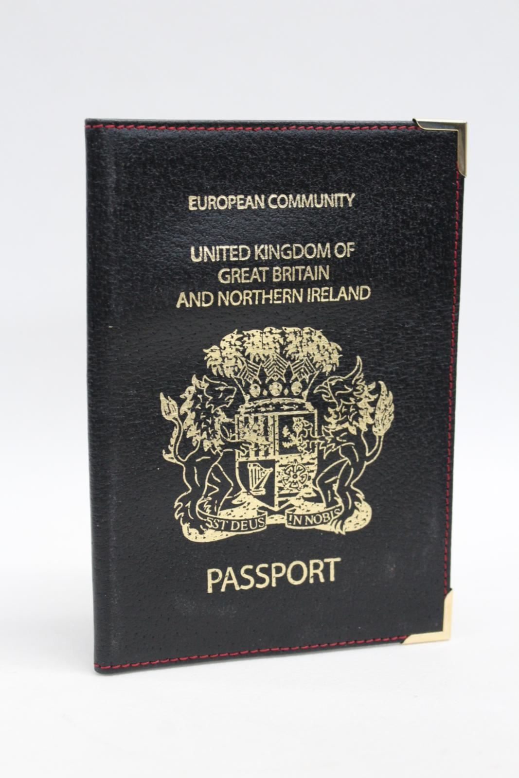 ASPINAL-OF-LONDON-Leather-United-Kingdom-Black-Passport-Cover-Red-Stitch-NEW