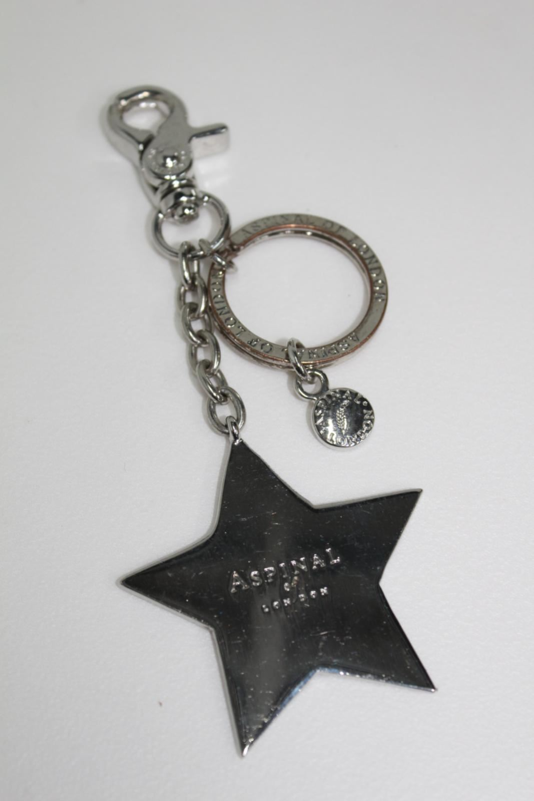 ASPINAL-OF-LONDON-Silver-Tone-Luxury-2-034-Star-Chain-Personalised-HL-Keyring-NEW