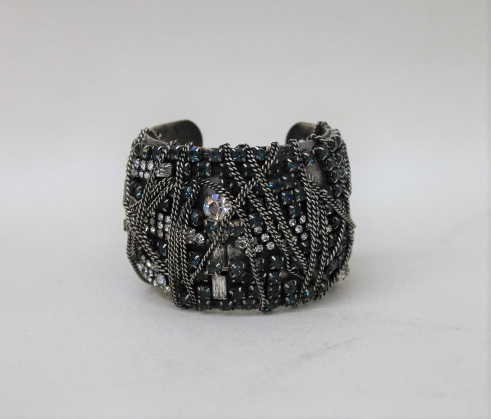 Ladies-Silver-Blue-Diamante-Crystals-Chunky-Wide-Costume-Bridal-Bangle-Bracelet