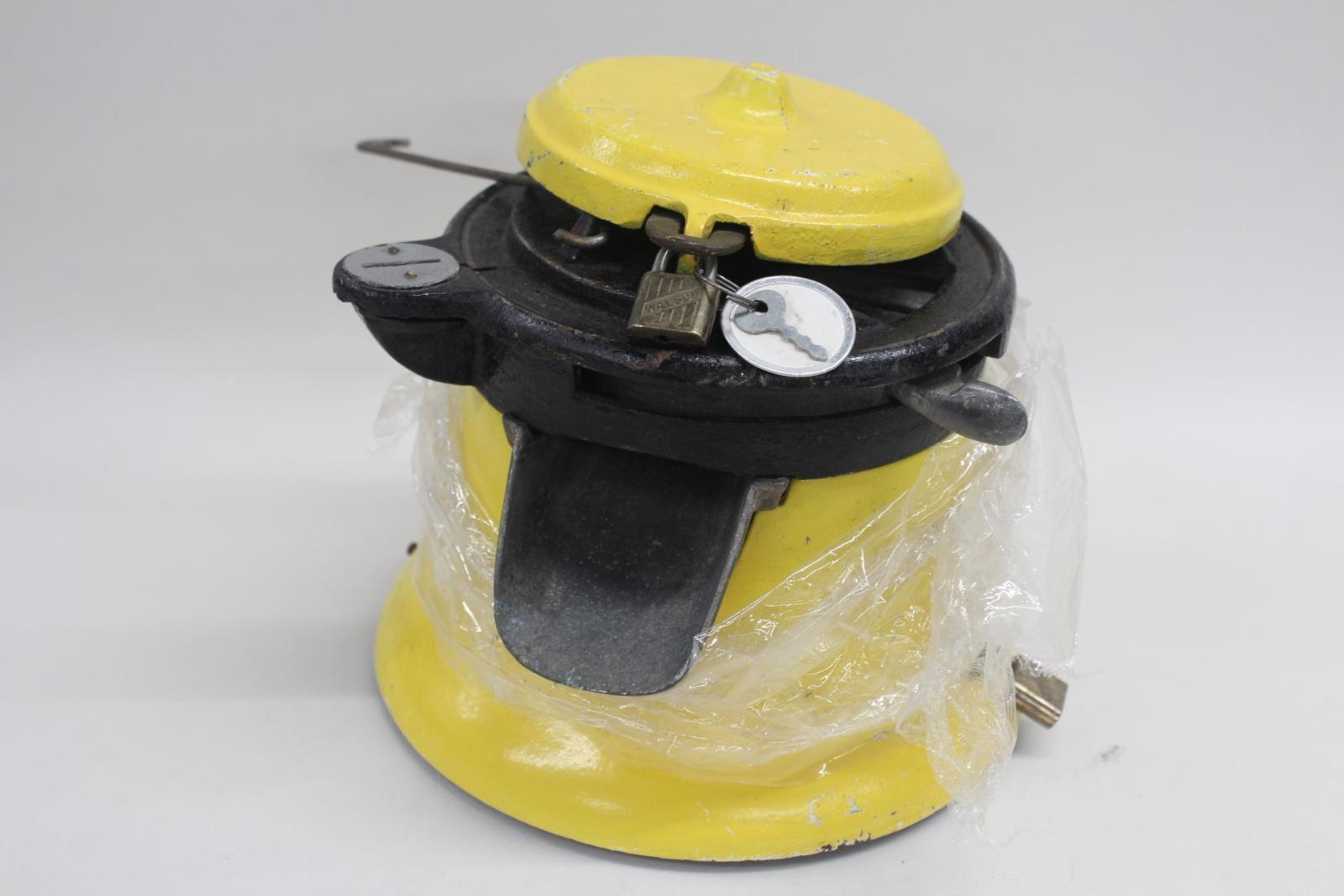 COLUMBUS-Vintage-Yellow-Model-M-1-Cent-Penny-Peanut-Gumball-Vending-Machine-Body