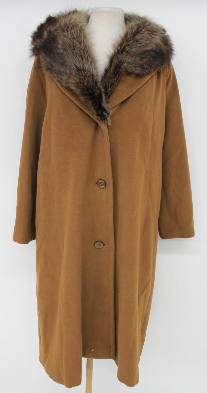 Veste en cuir camel stradivarius