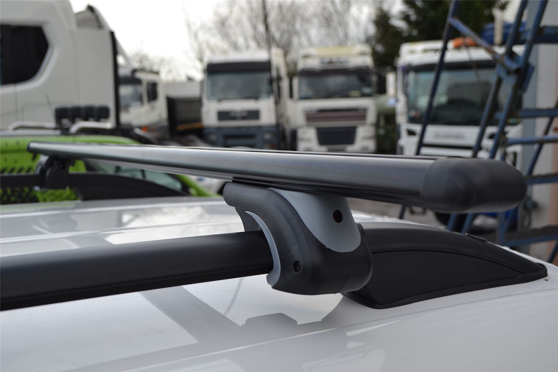 To Fit 2004-2015 VW Caddy Aluminium Locking Roof Rail Cross Bars Load Stops