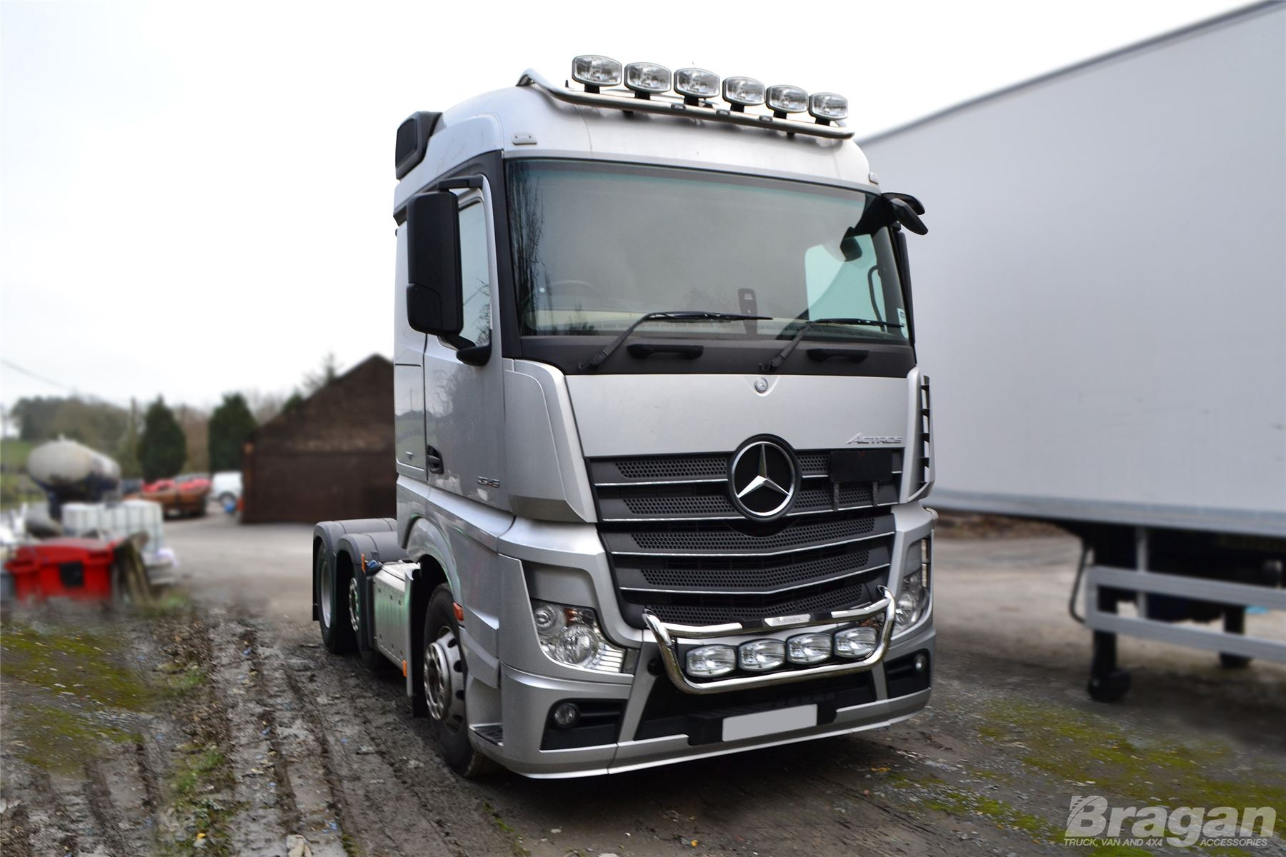 to fit mercedes actros mp4 polished steel grill light bar. Black Bedroom Furniture Sets. Home Design Ideas