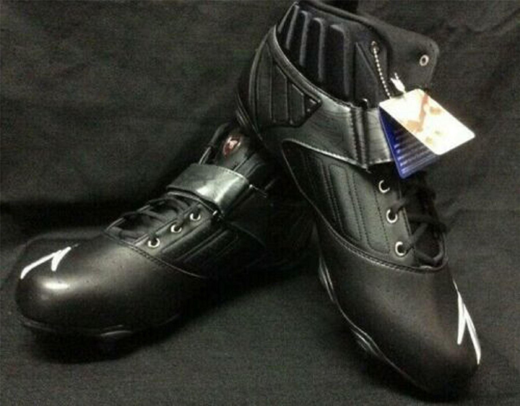Reebok Men Football Turf Shoe Bulldodge