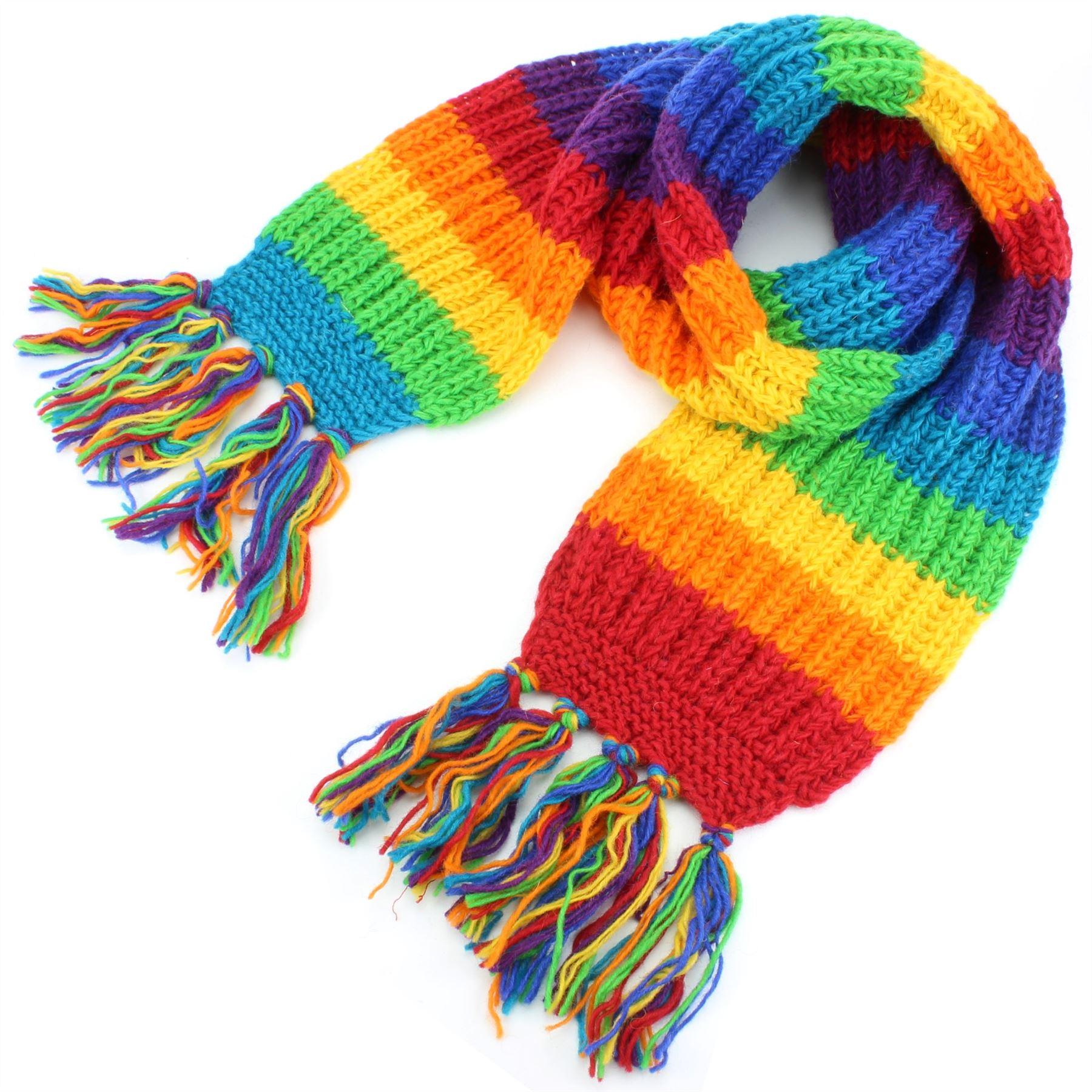Chunky laine tricoter avec longues franges à chaque extrémité. Longue et large  écharpe qui vous tiendra chaud et colouful ! fb374dfe2dd