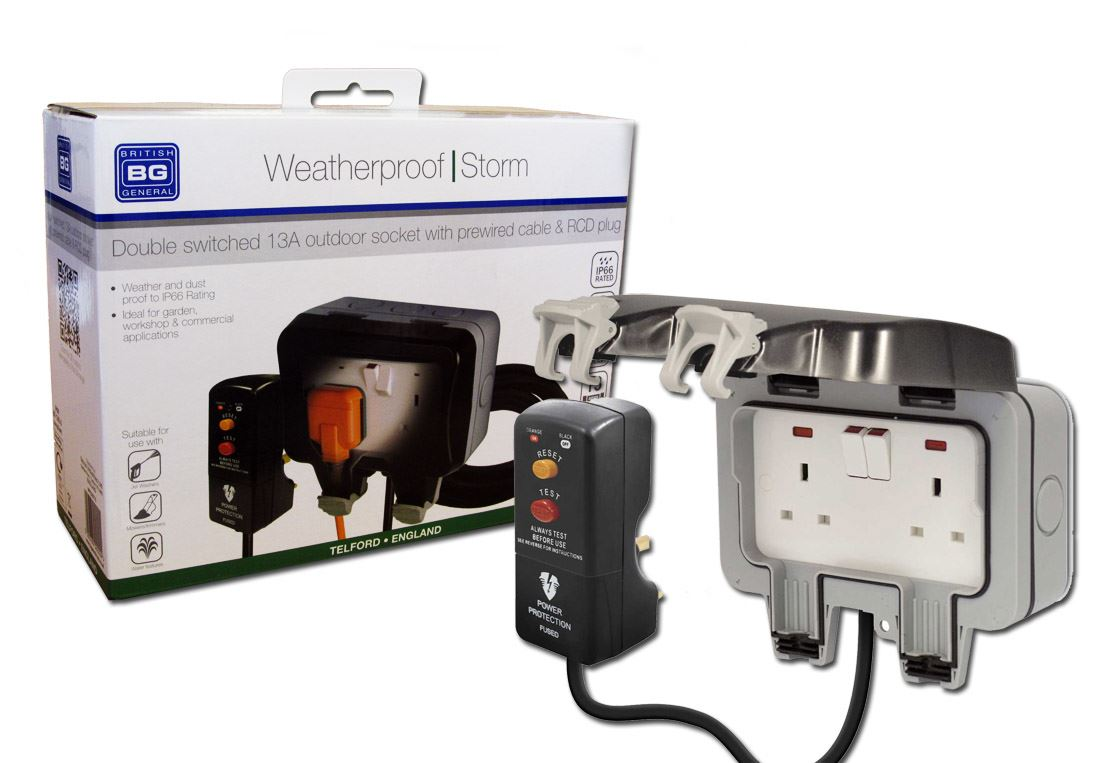 British General Weatherproof Outdoor Mains Socket Power