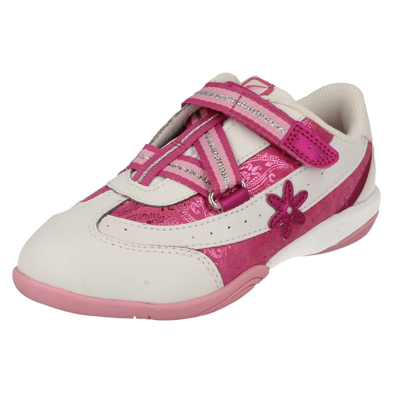 12db0e9c8d0 Details about Girls Cica by Clarks Daisy Diva Trainer