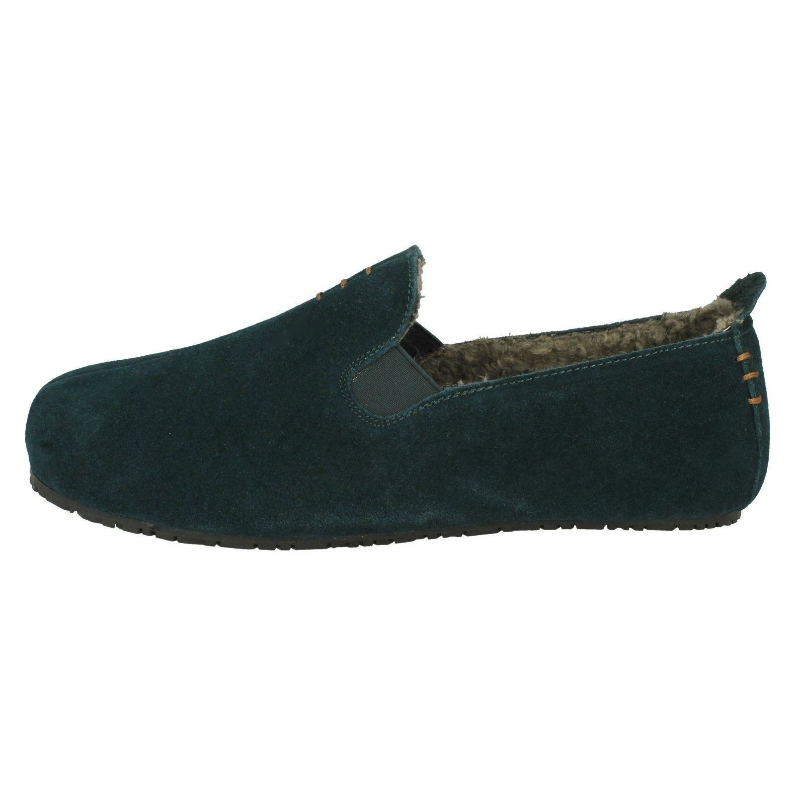 Mens Clarks Casual Rounded Toe Slip On Suede Comfort