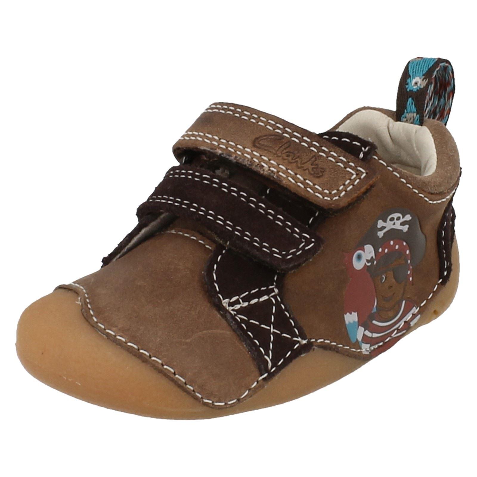 e2c8413b4 Niños Clarks gancho y lazo de sujeción zapatos de cuero de crucero -   Cruiser Mate