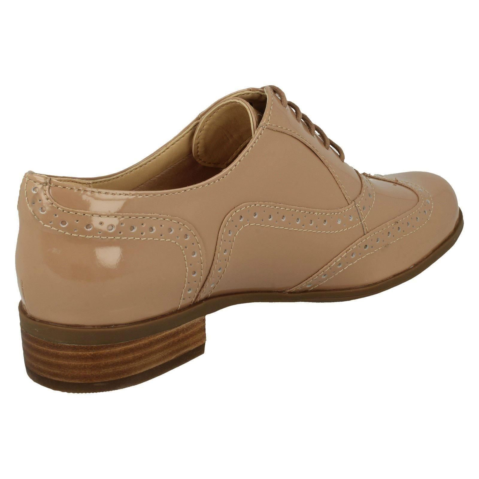 182698ab7a2 Clarks Ladies Vintage Style Leather Patent Lace Up Brogue Shoes ...