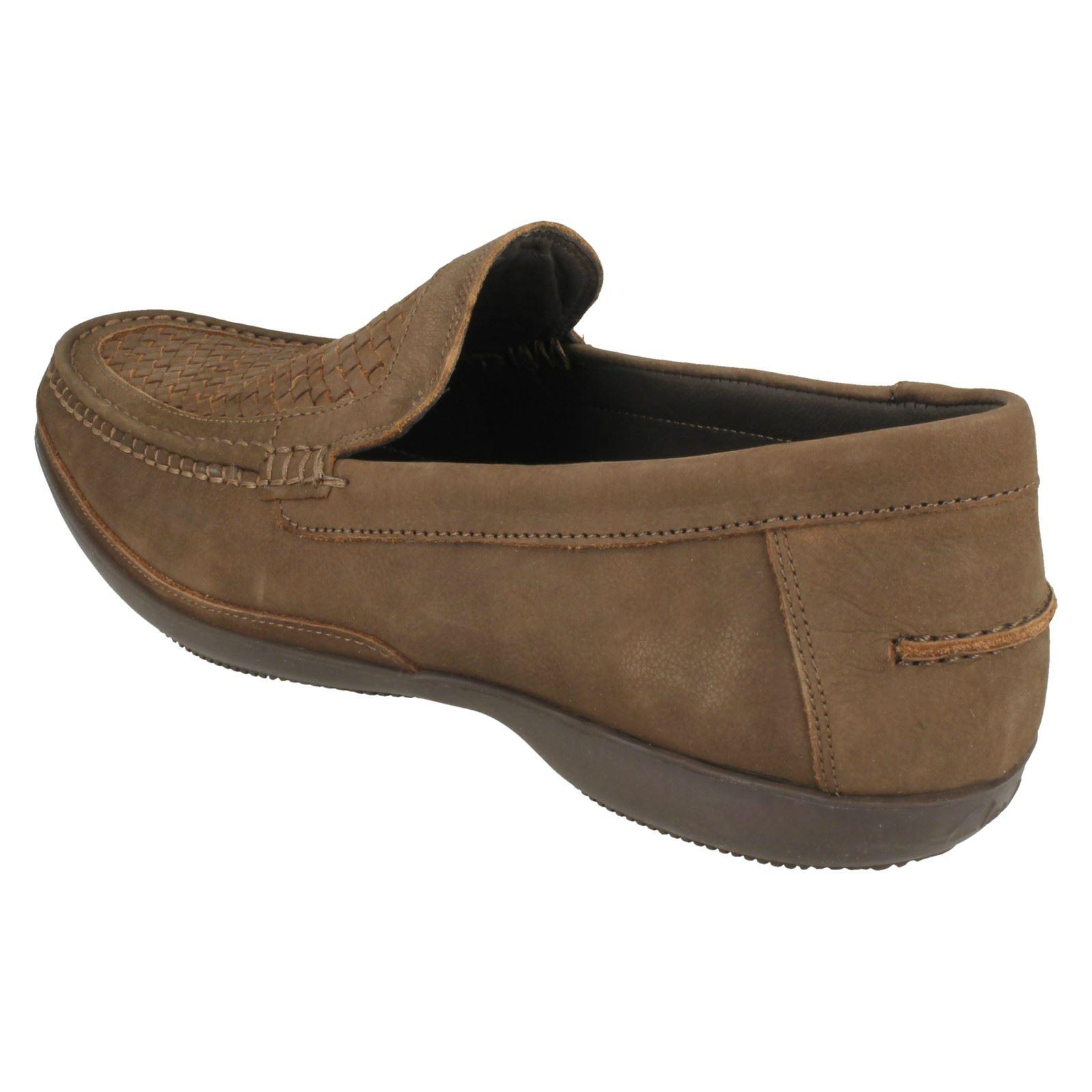 para Finer hombre Clarks Slip On marrón Weave Shoes Formal Walnut 7dRdOWq