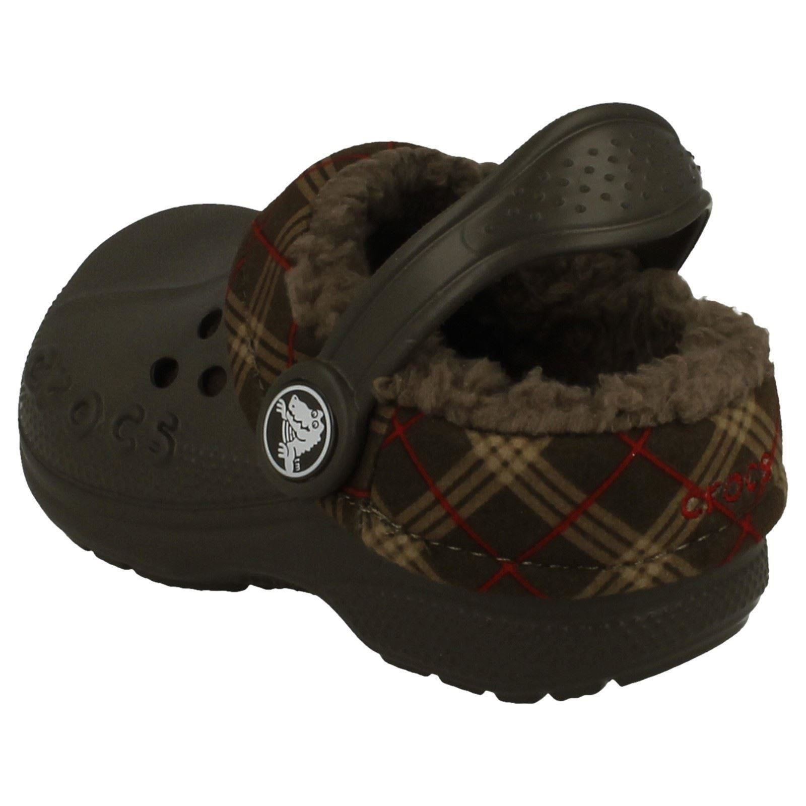 6c4bc963ce9c9 Crocs-Boys-Sandals-Blitzen-Winter-Plaid-Kids thumbnail 6