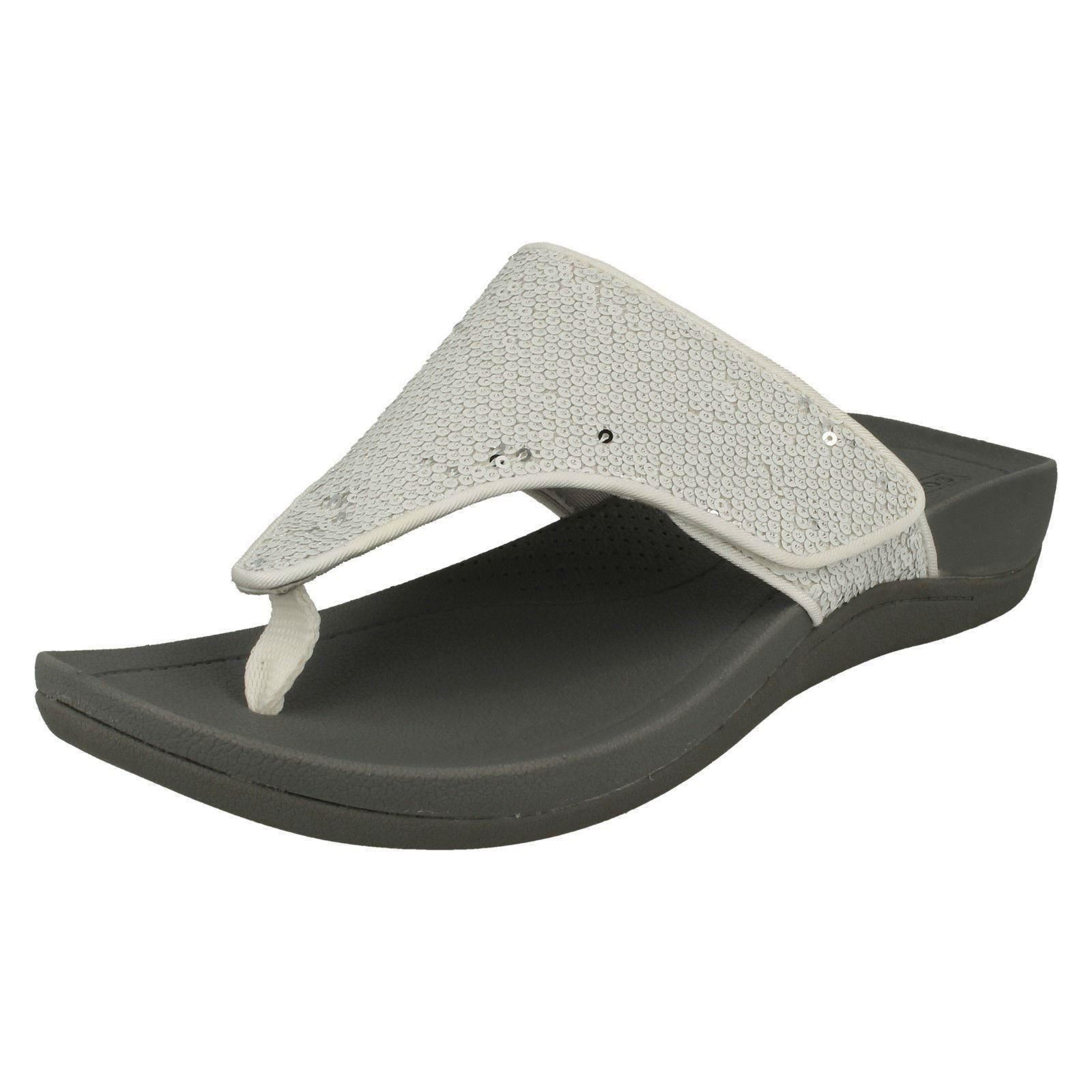 ef44ad4e9cf951 Ladies Clarks Flip Flops  Pical Lipson   Picture 2 of 10 ...
