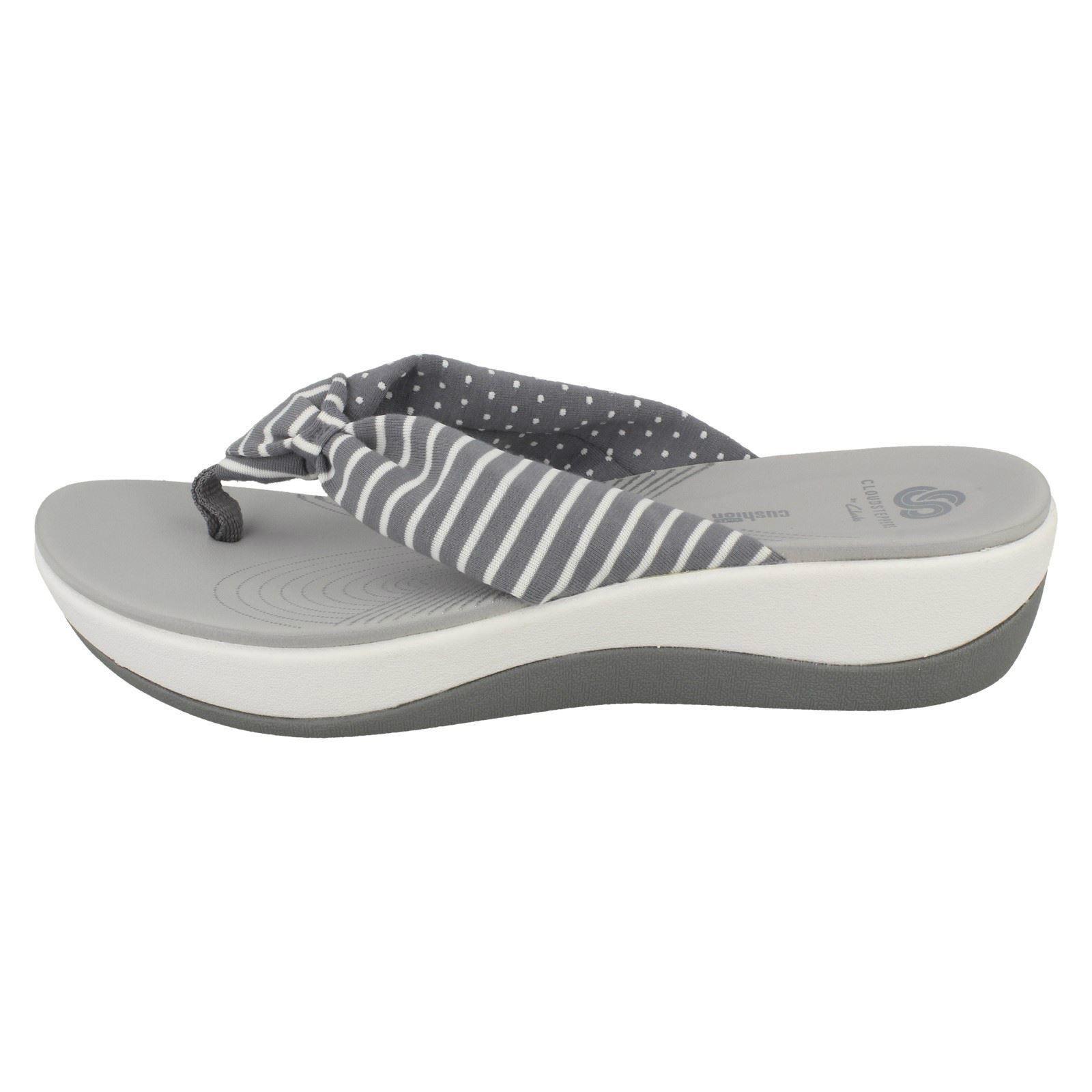 de474b840aac Ladies Clarks Cloudsteppers Toe Post Summer Sandals  Arla Glison 18 ...