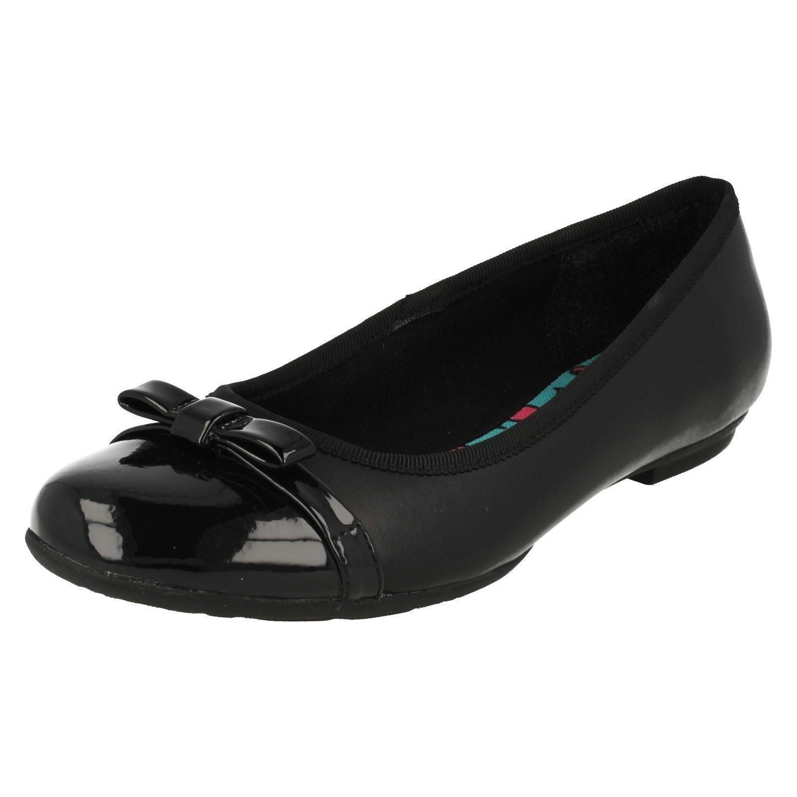 Girls Bootleg by Clarks School Shoes Tizz Fizz Black Leather UK 8 D ... ba04519f5